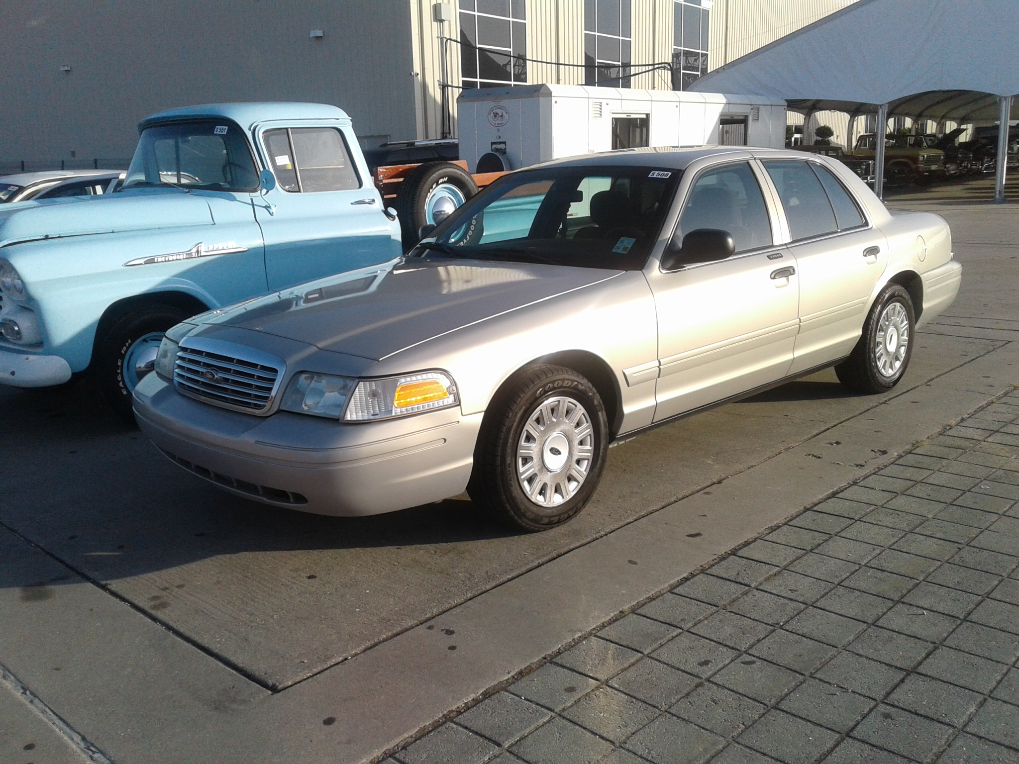 2007 FORD CROWN VICTORIA For Sale at Vicari Auctions New Orleans 2016