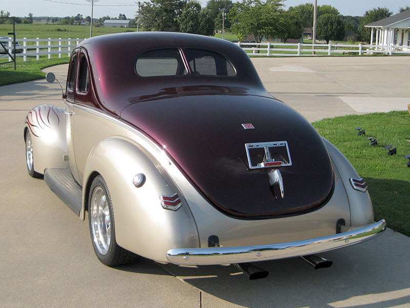 3rd Image of a 1940 FORD DEL