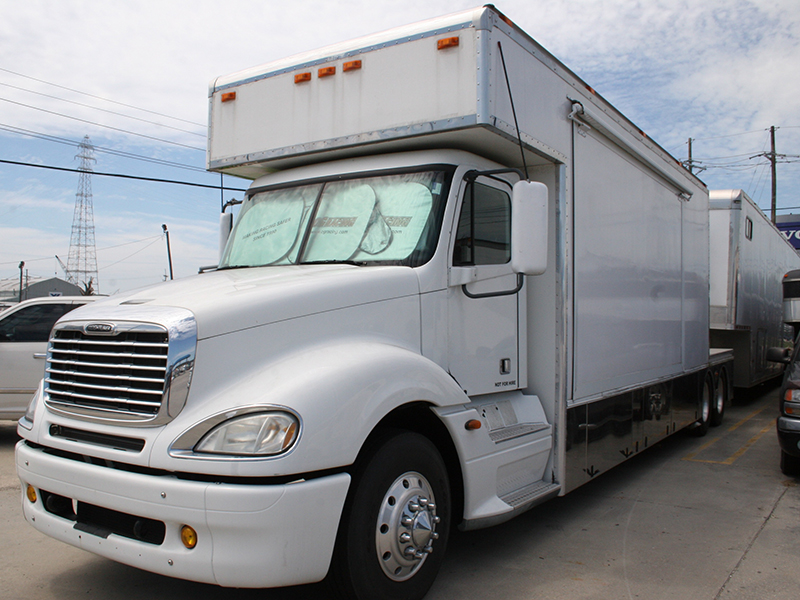 2nd Image of a 2006 FREIGHTLINER COLUMBIA 120