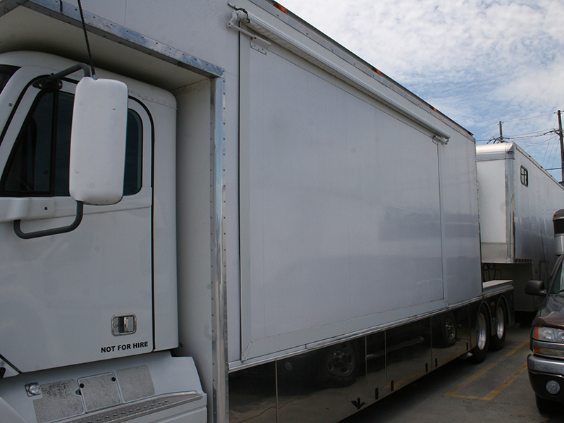 3rd Image of a 2006 FREIGHTLINER COLUMBIA 120