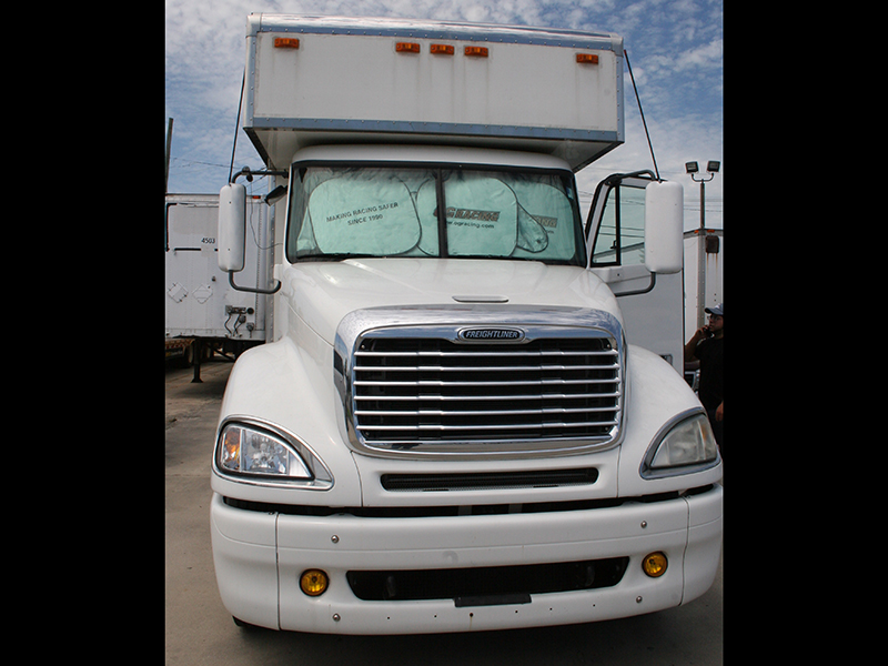 4th Image of a 2006 FREIGHTLINER COLUMBIA 120