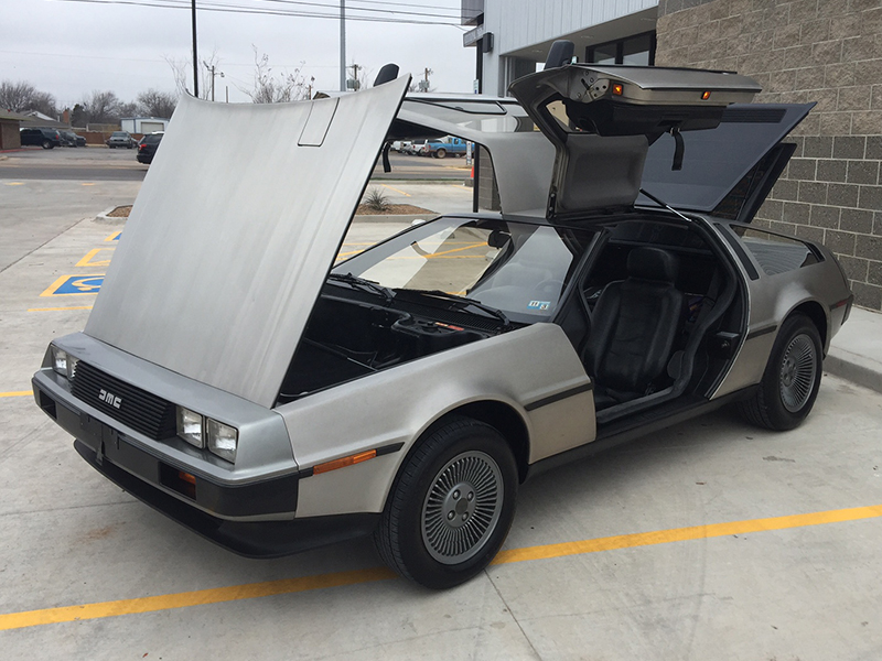 2nd Image of a 1981 DELOREAN DMC-12