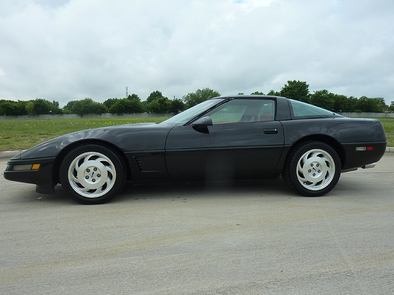 3rd Image of a 1996 CHEVROLET CORVETTE