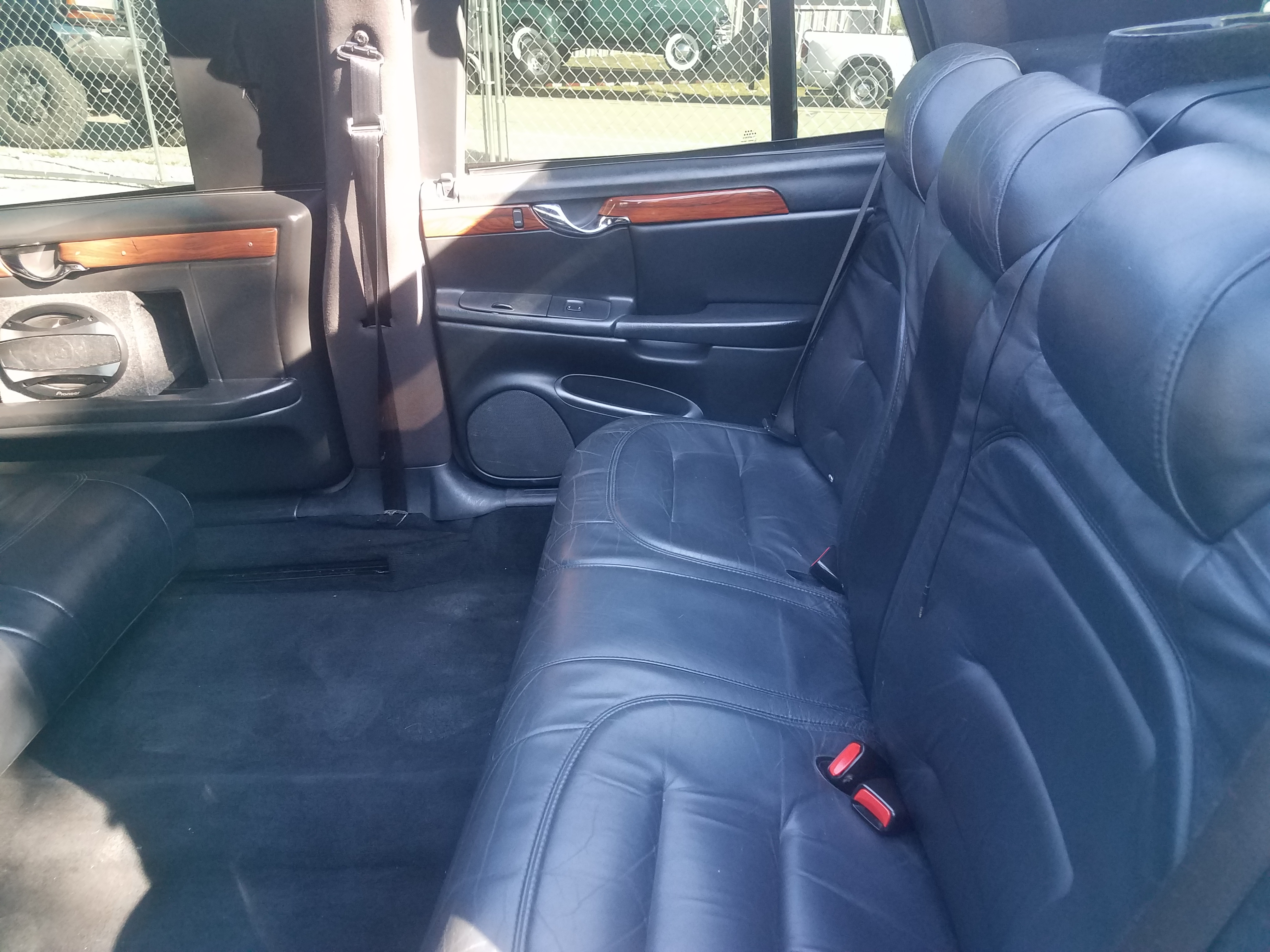 9th Image of a 2002 CADILLAC DEVILLE SPECIAL COMMERCIAL CHASSIS LIMO