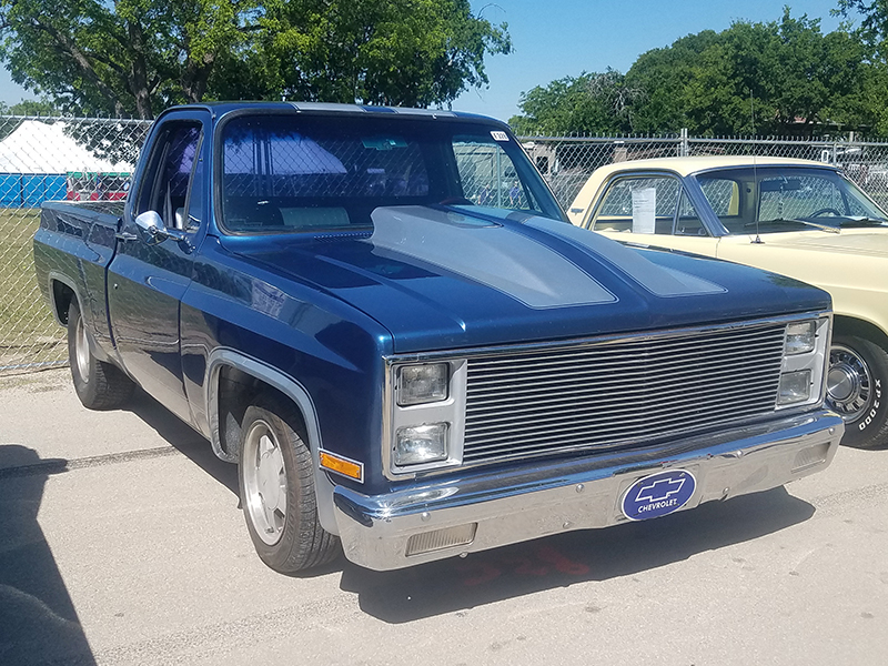 2nd Image of a 1982 CHEVROLET C10