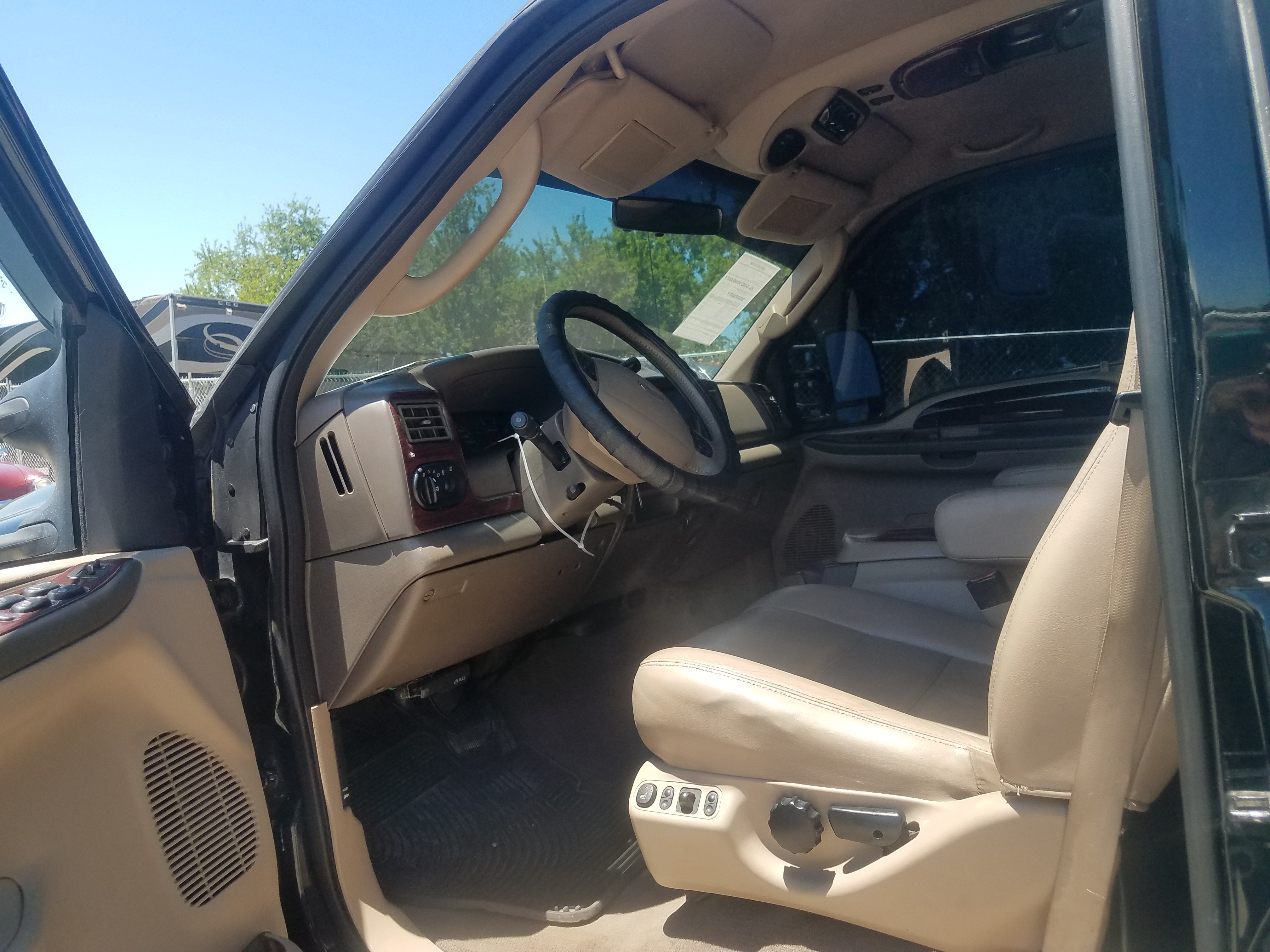 3rd Image of a 2003 FORD EXCURSION LIMITED