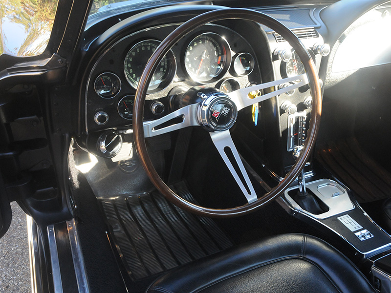 17th Image of a 1967 CHEVROLET CORVETTE