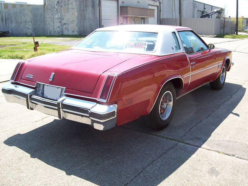 3rd Image of a 1977 OLDSMOBILE CUTLASS