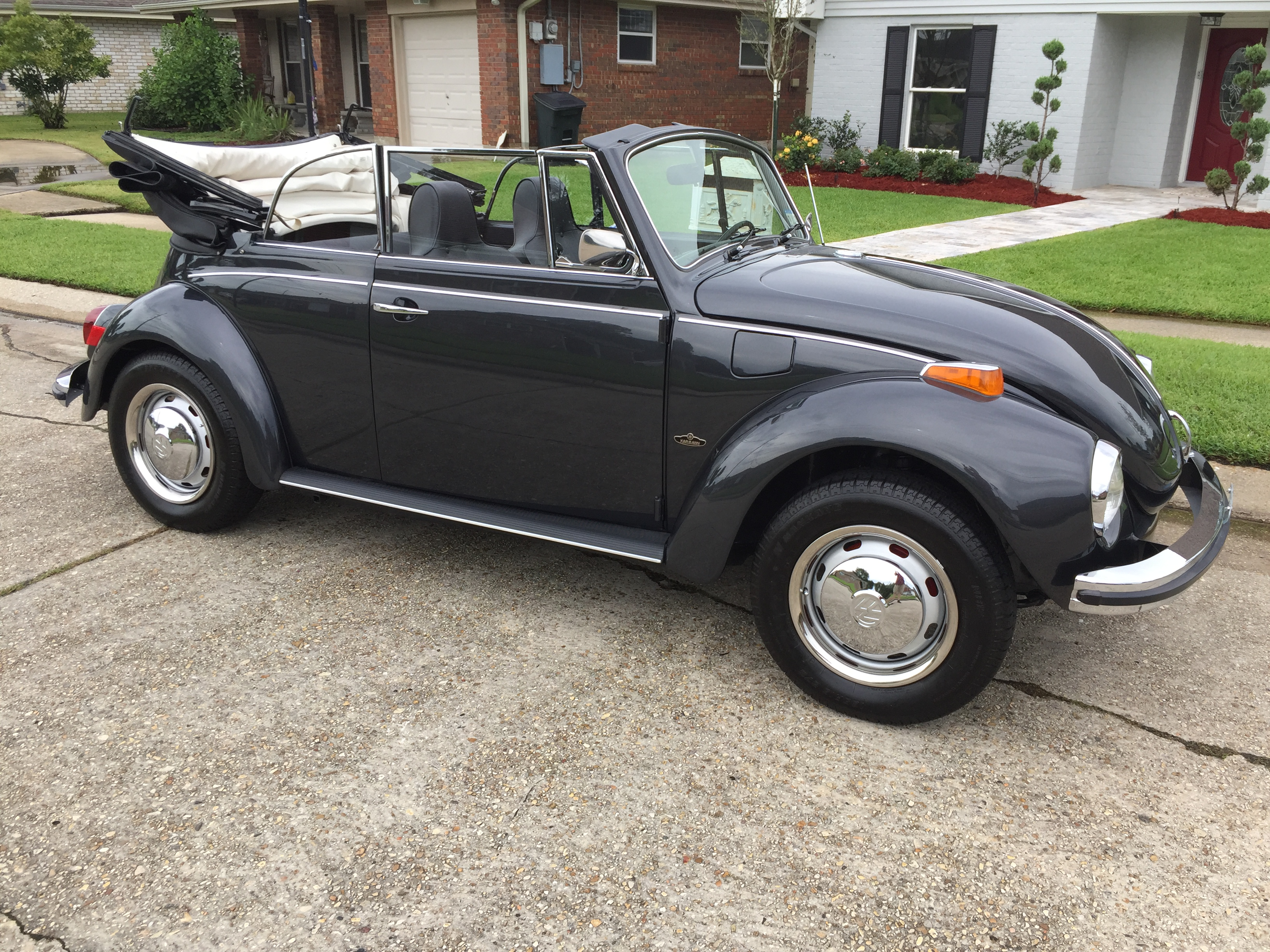 2nd Image of a 1971 VOLKSWAGEN SUPER BEETLE