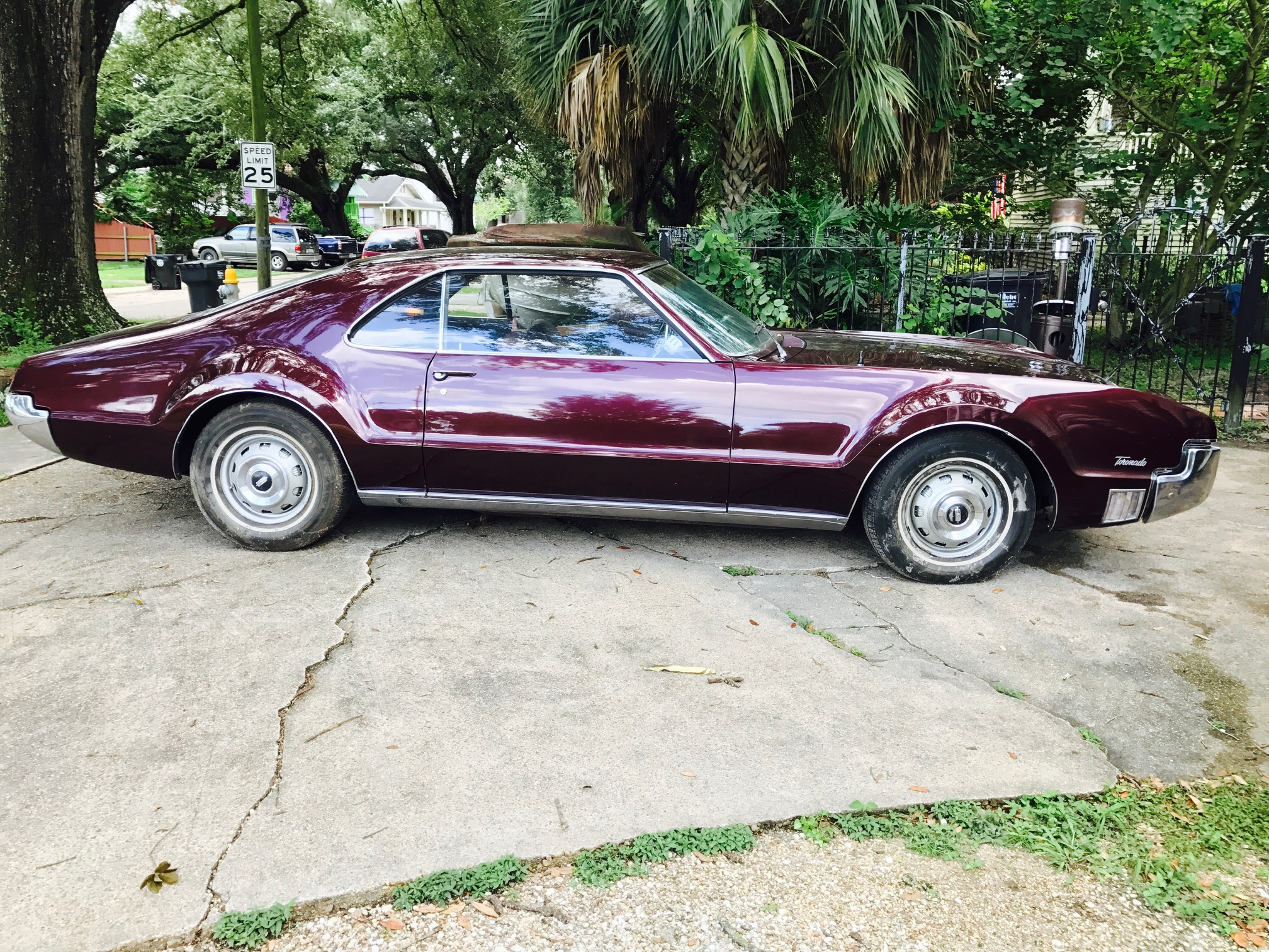 6th Image of a 1966 OLDSMOBILE TORONADO