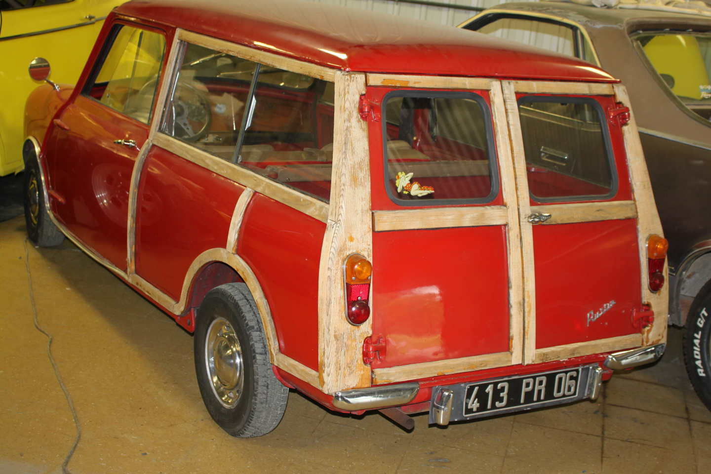 2nd Image of a 1965 AUSTIN 850