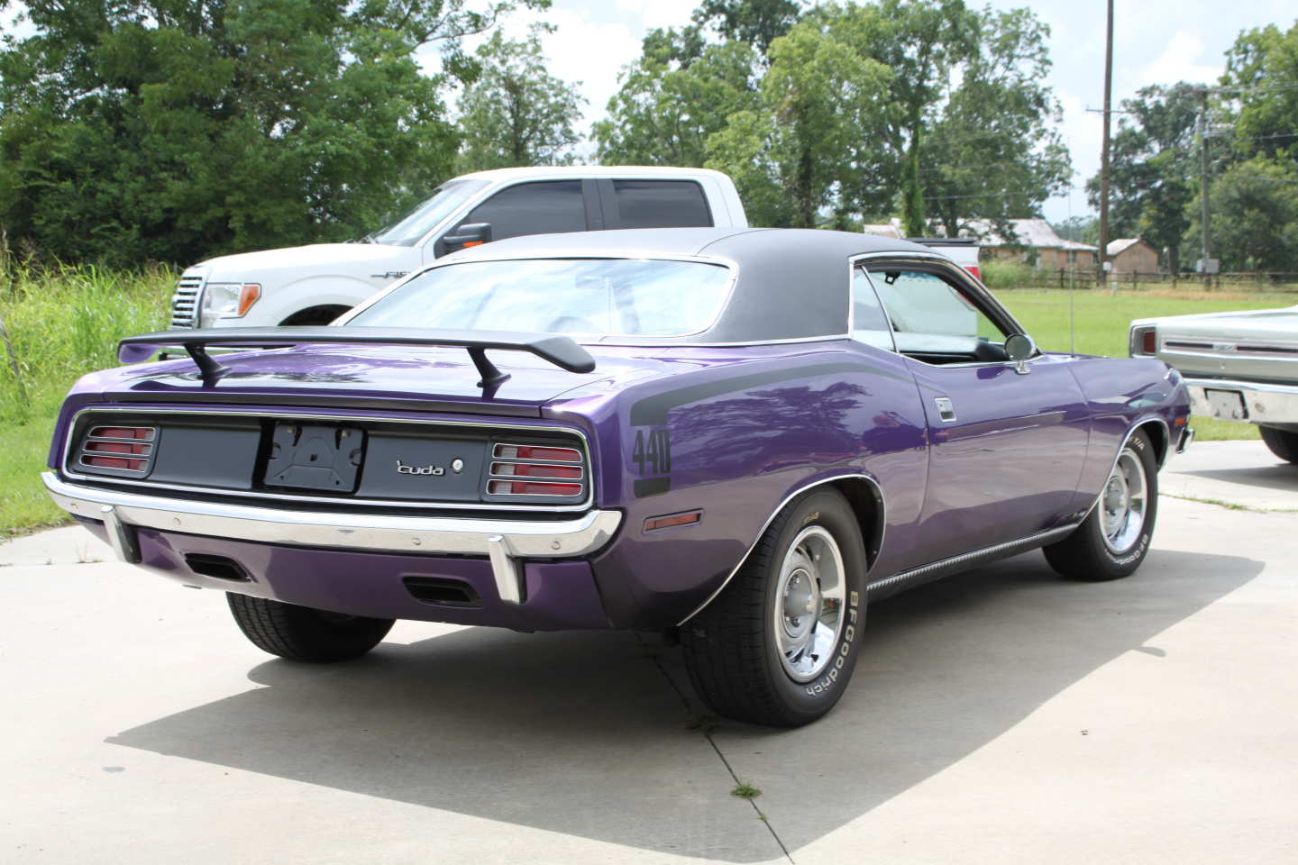 4th Image of a 1970 PLYMOUTH BARRACUDA