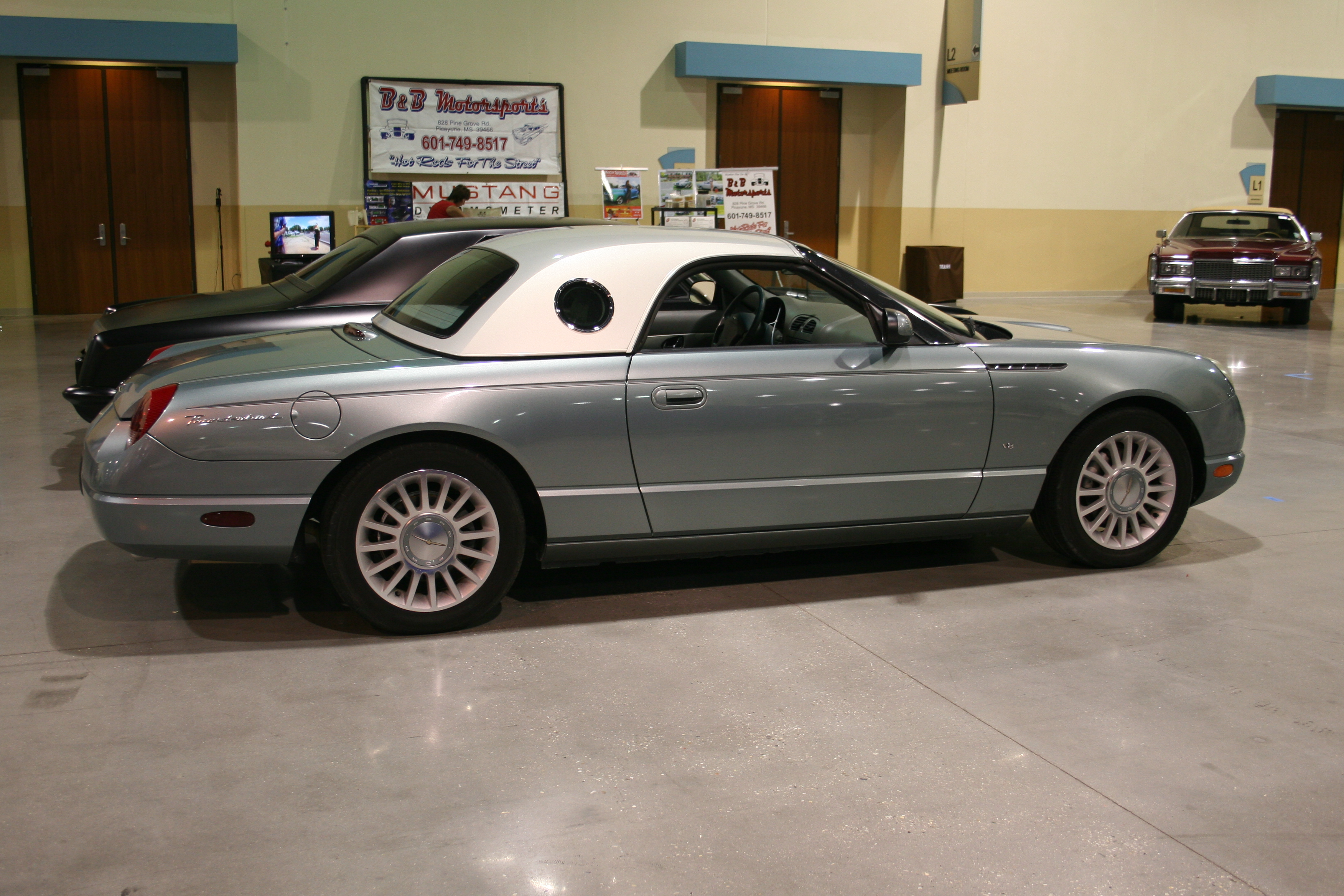 7th Image of a 2004 FORD THUNDERBIRD