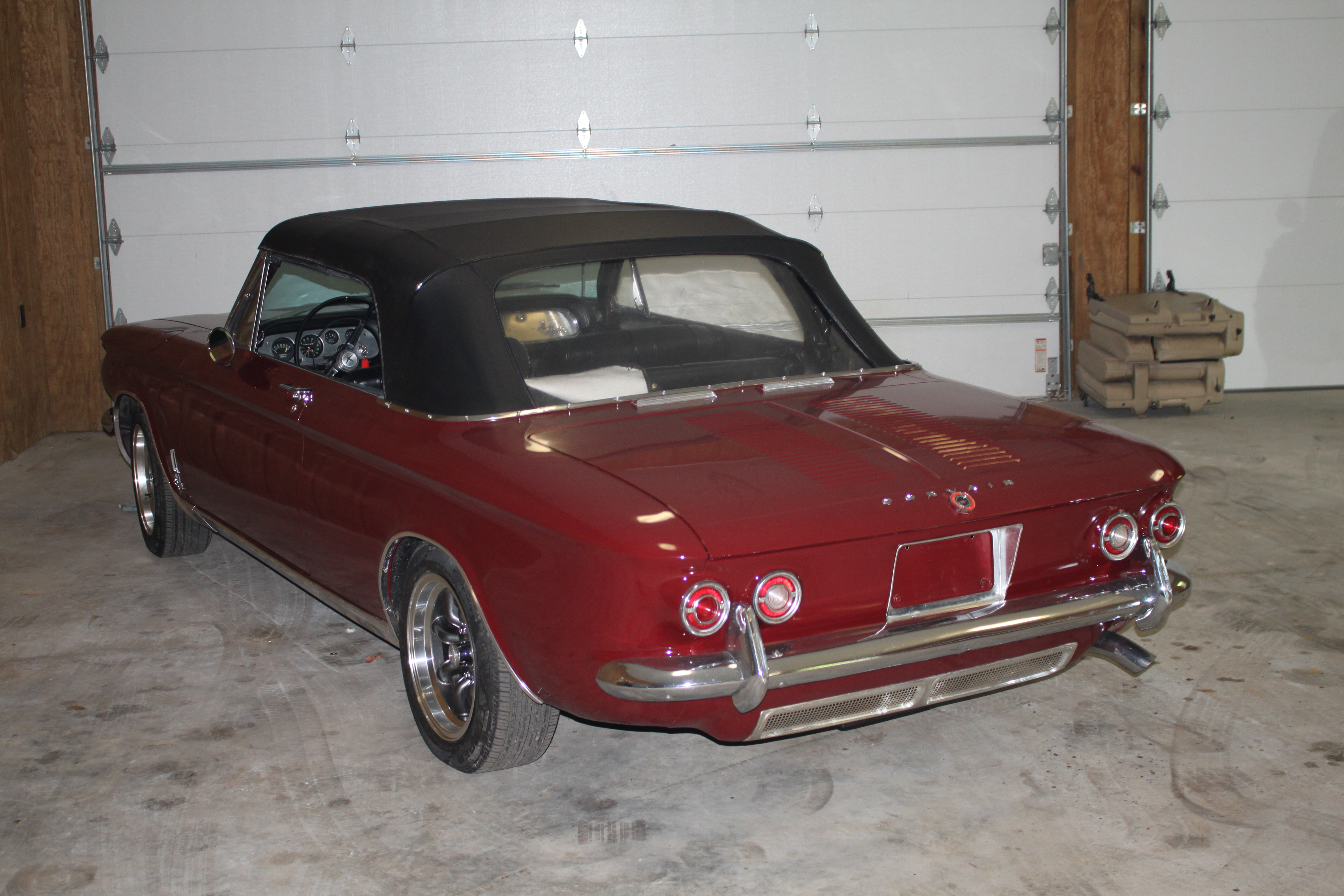 3rd Image of a 1964 CHEVROLET CORVAIR