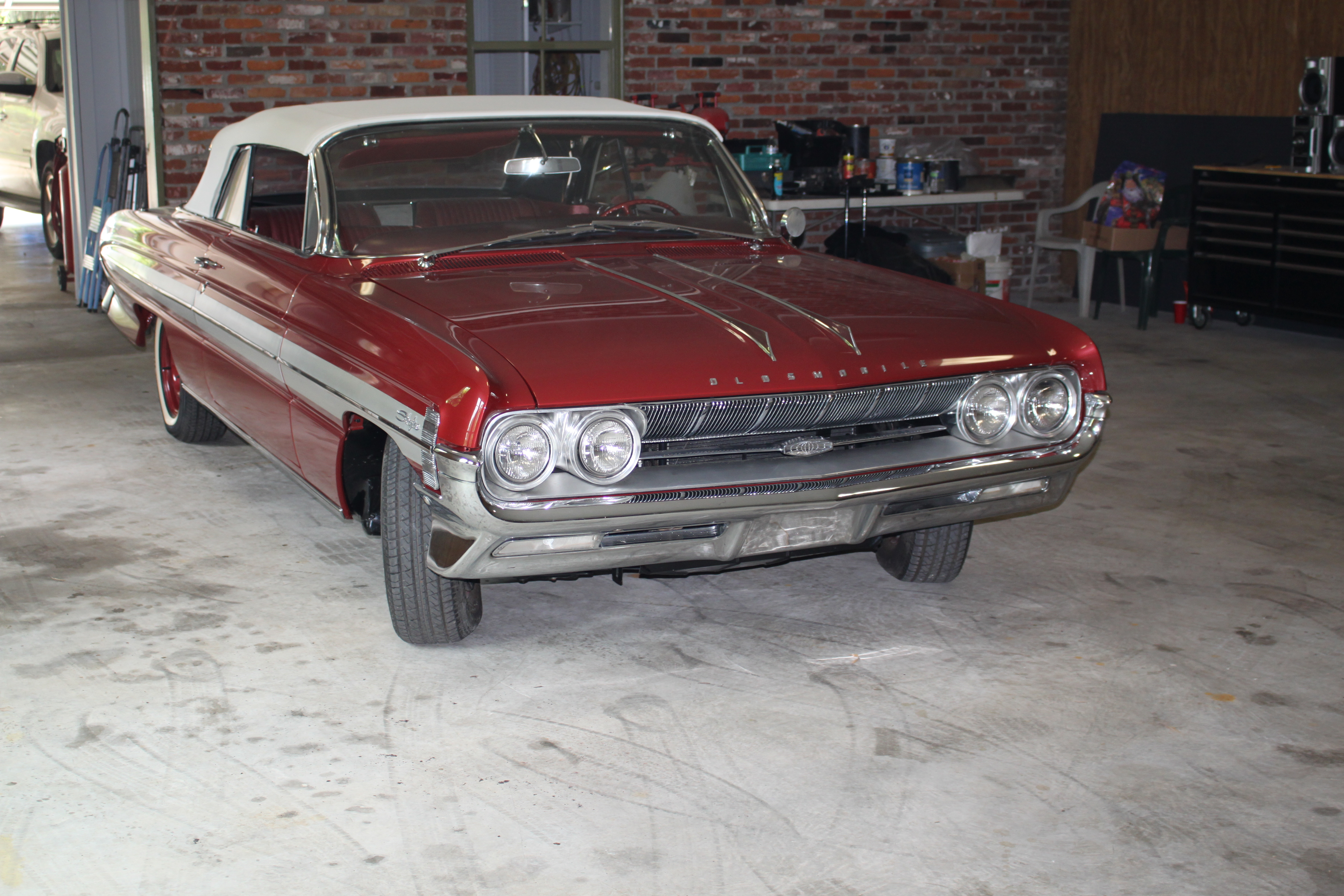 2nd Image of a 1961 OLDSMOBILE STARFIRE