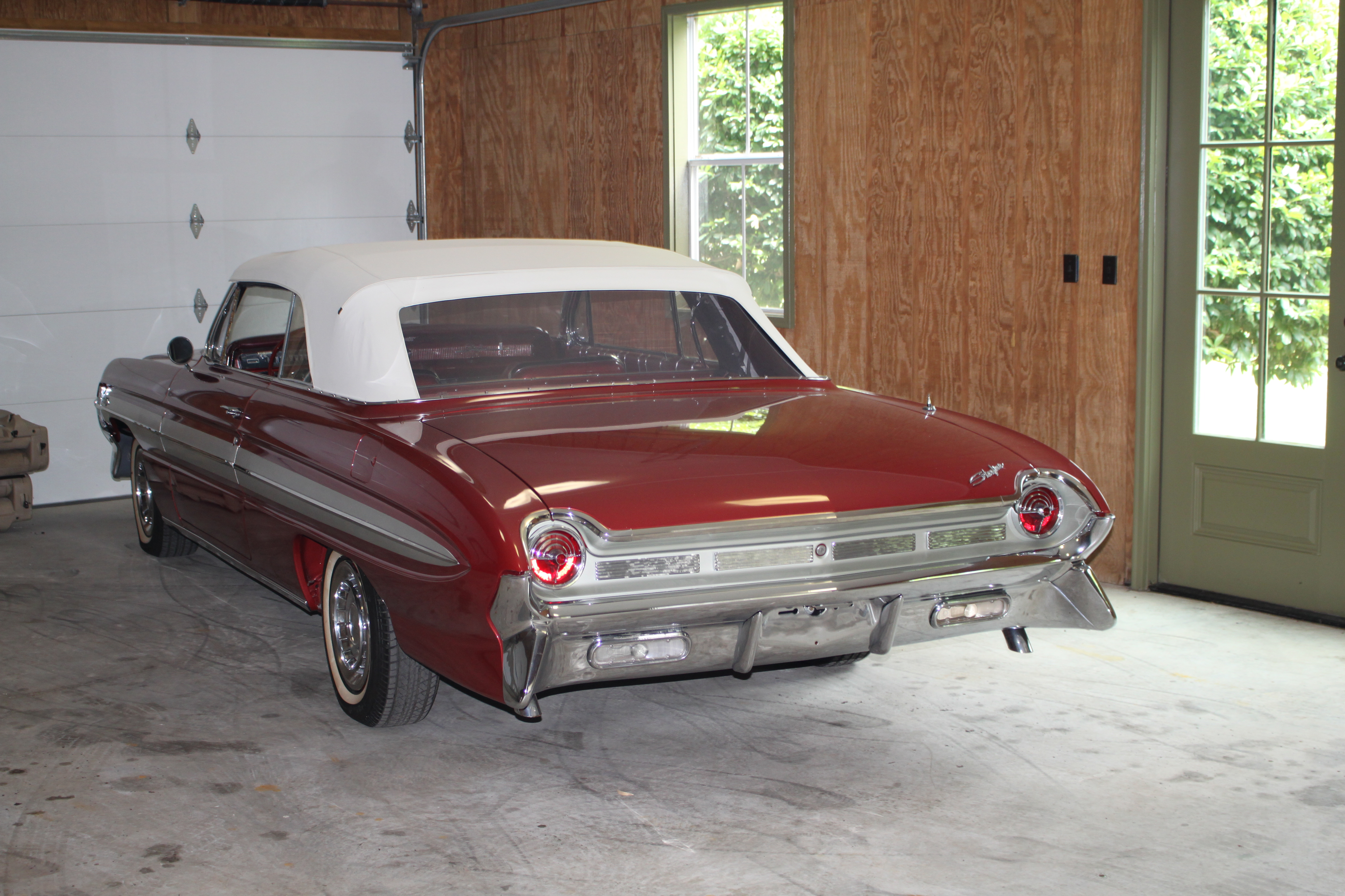 4th Image of a 1961 OLDSMOBILE STARFIRE