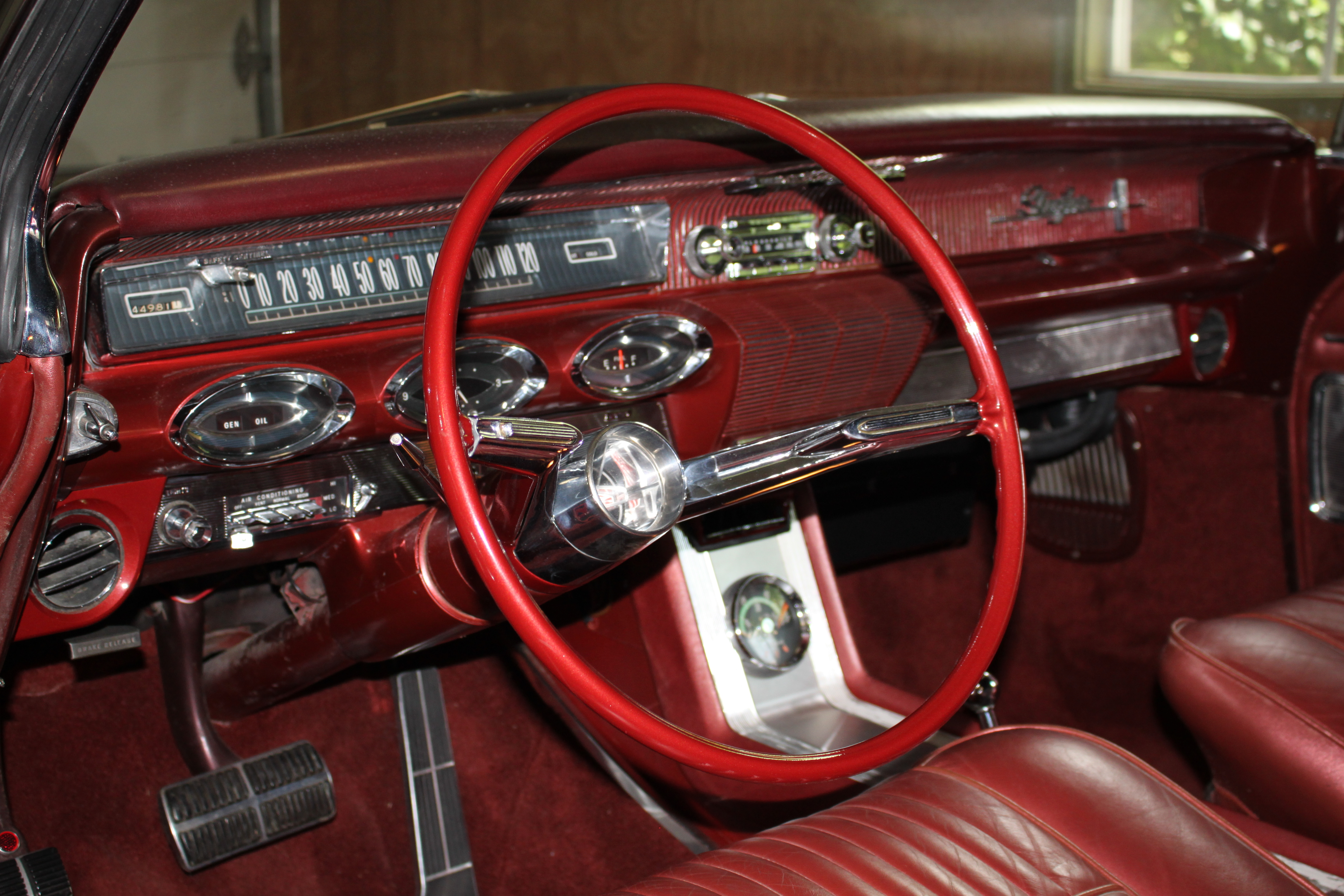 6th Image of a 1961 OLDSMOBILE STARFIRE