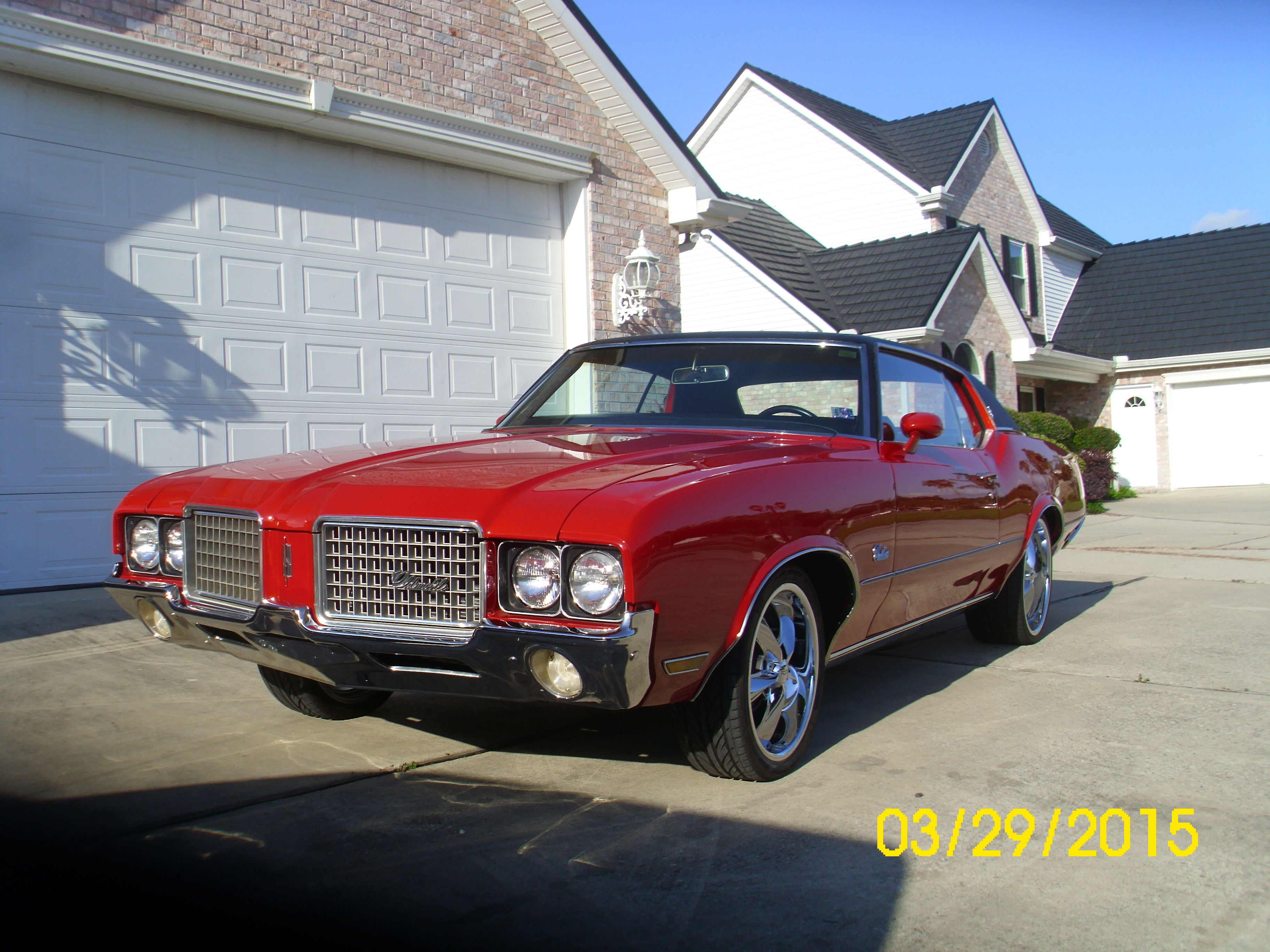 2nd Image of a 1972 OLDSMOBILE CUTLASS SUPREME