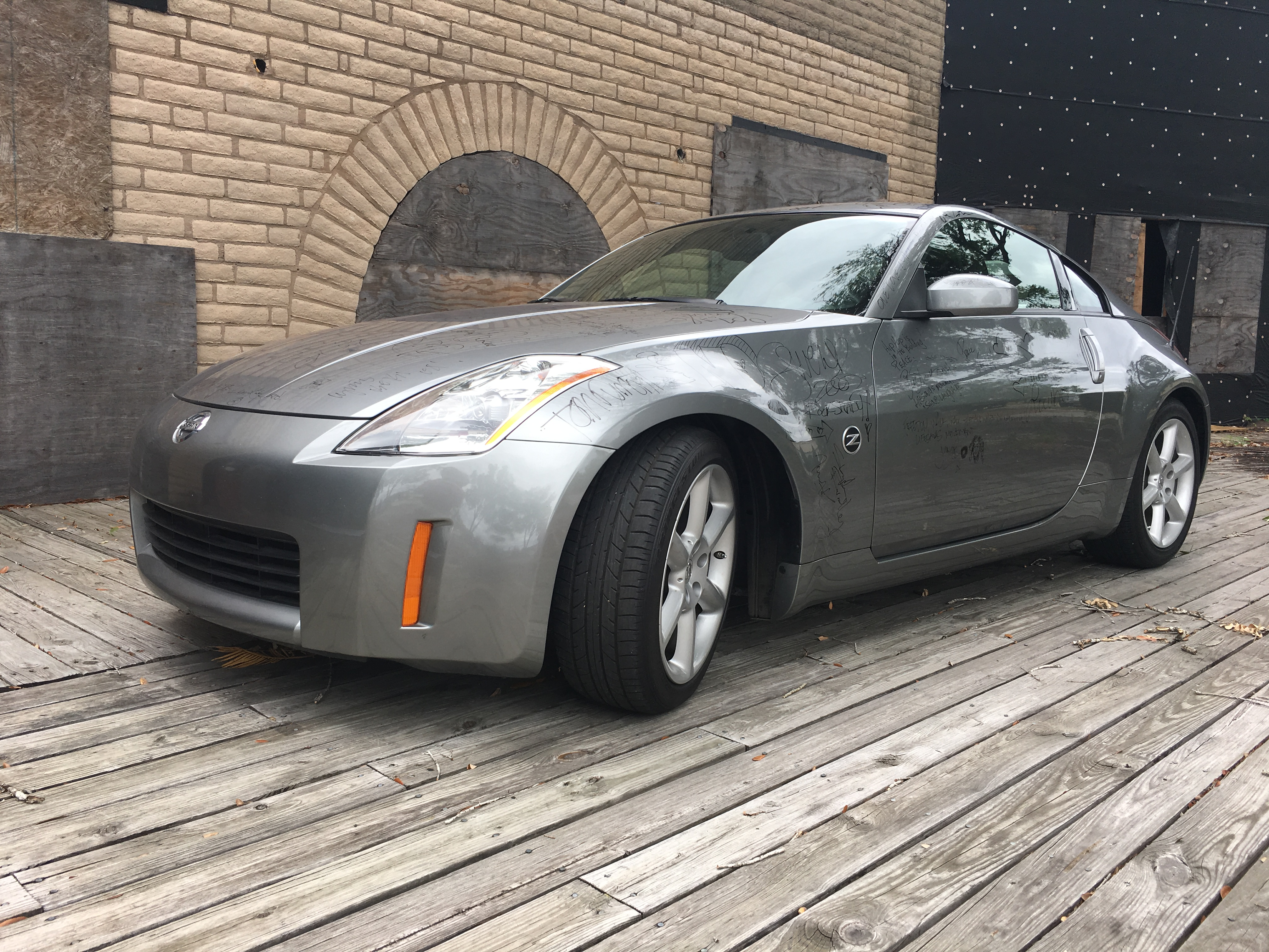2nd Image of a 2003 NISSAN 350Z