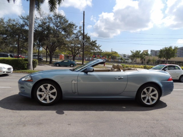 2nd Image of a 2007 JAGUAR XK XK