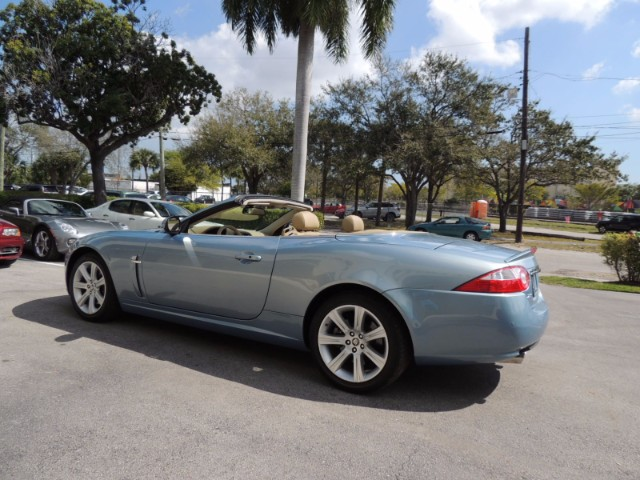 3rd Image of a 2007 JAGUAR XK XK