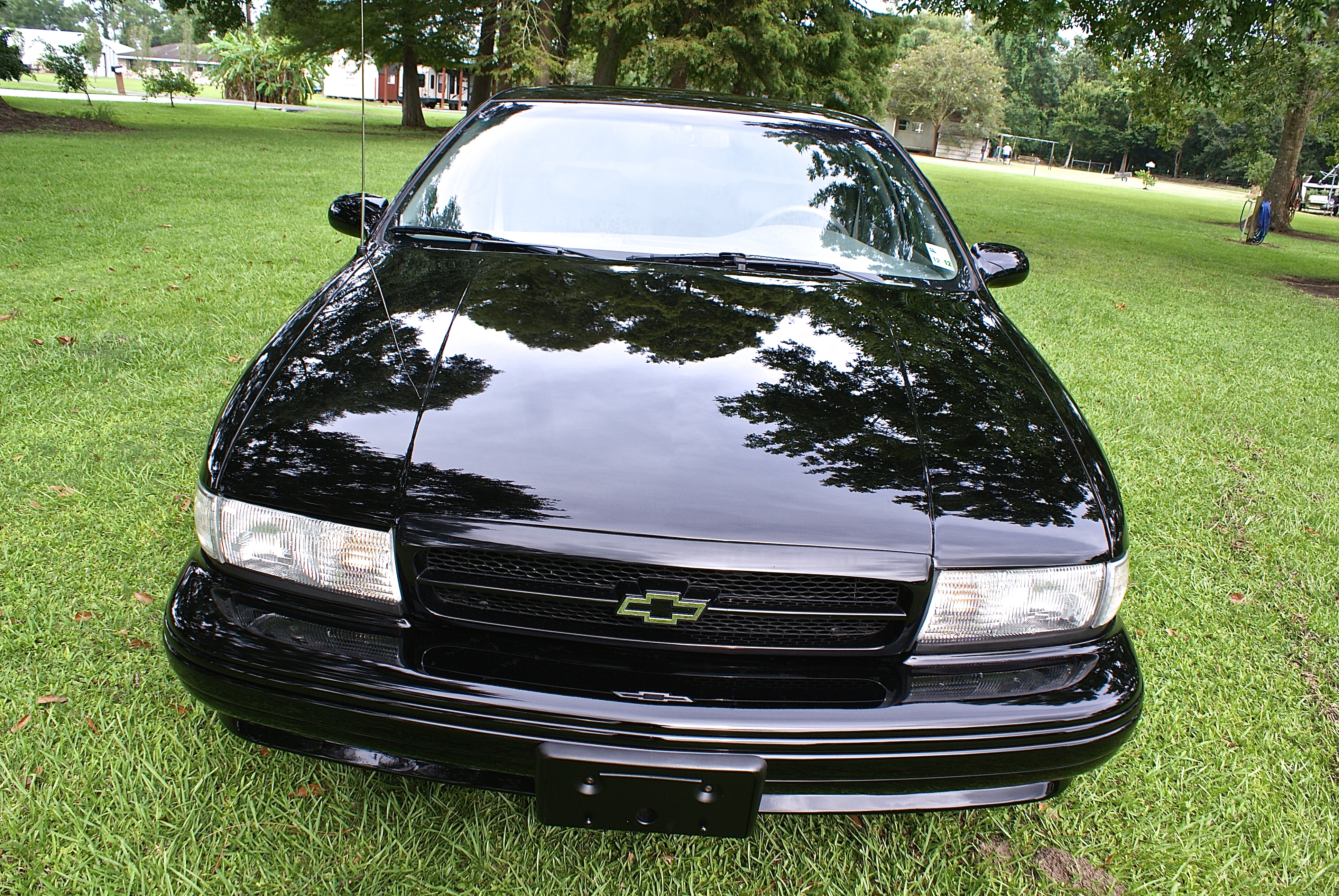 3rd Image of a 1996 CHEVROLET IMPALA