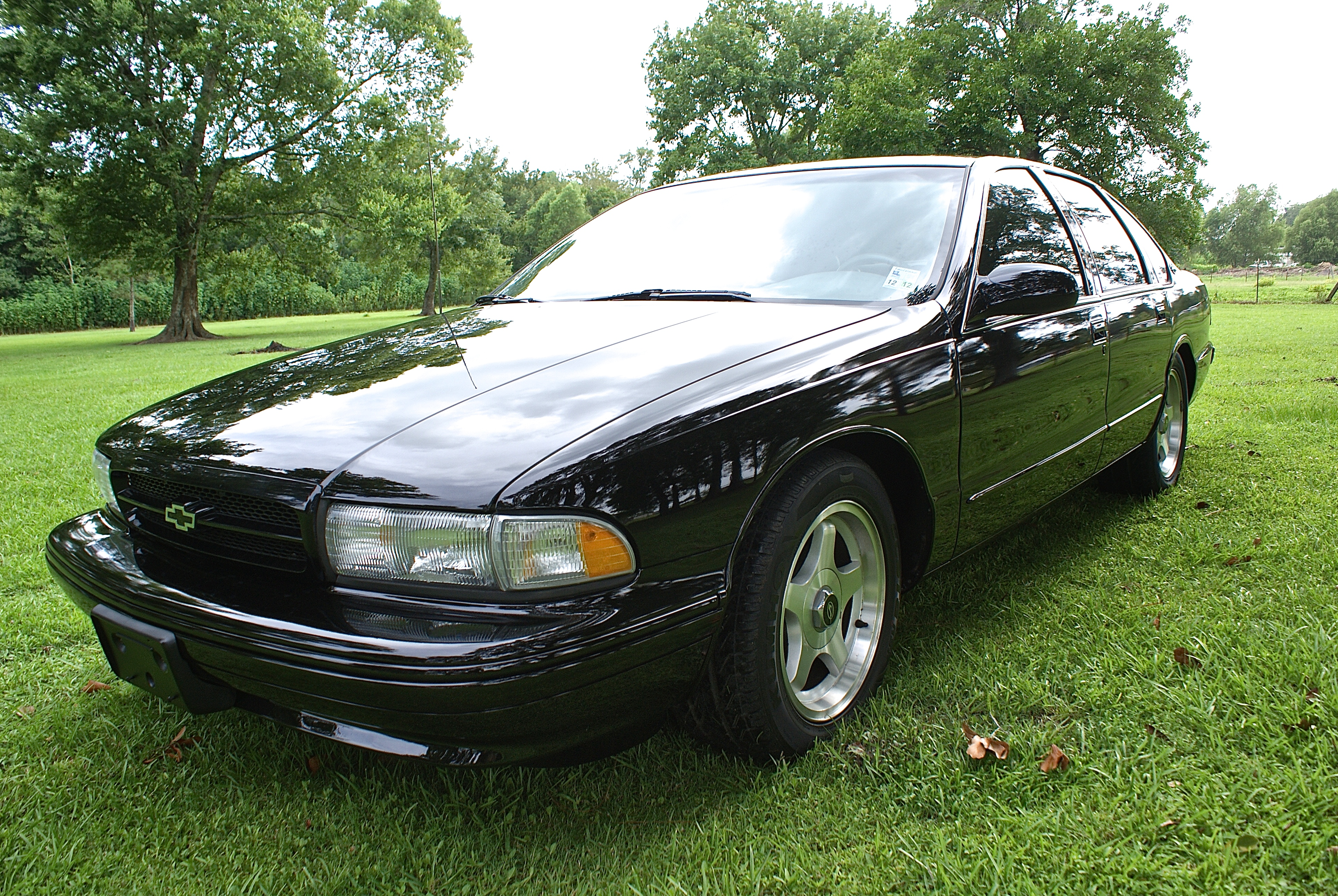 5th Image of a 1996 CHEVROLET IMPALA
