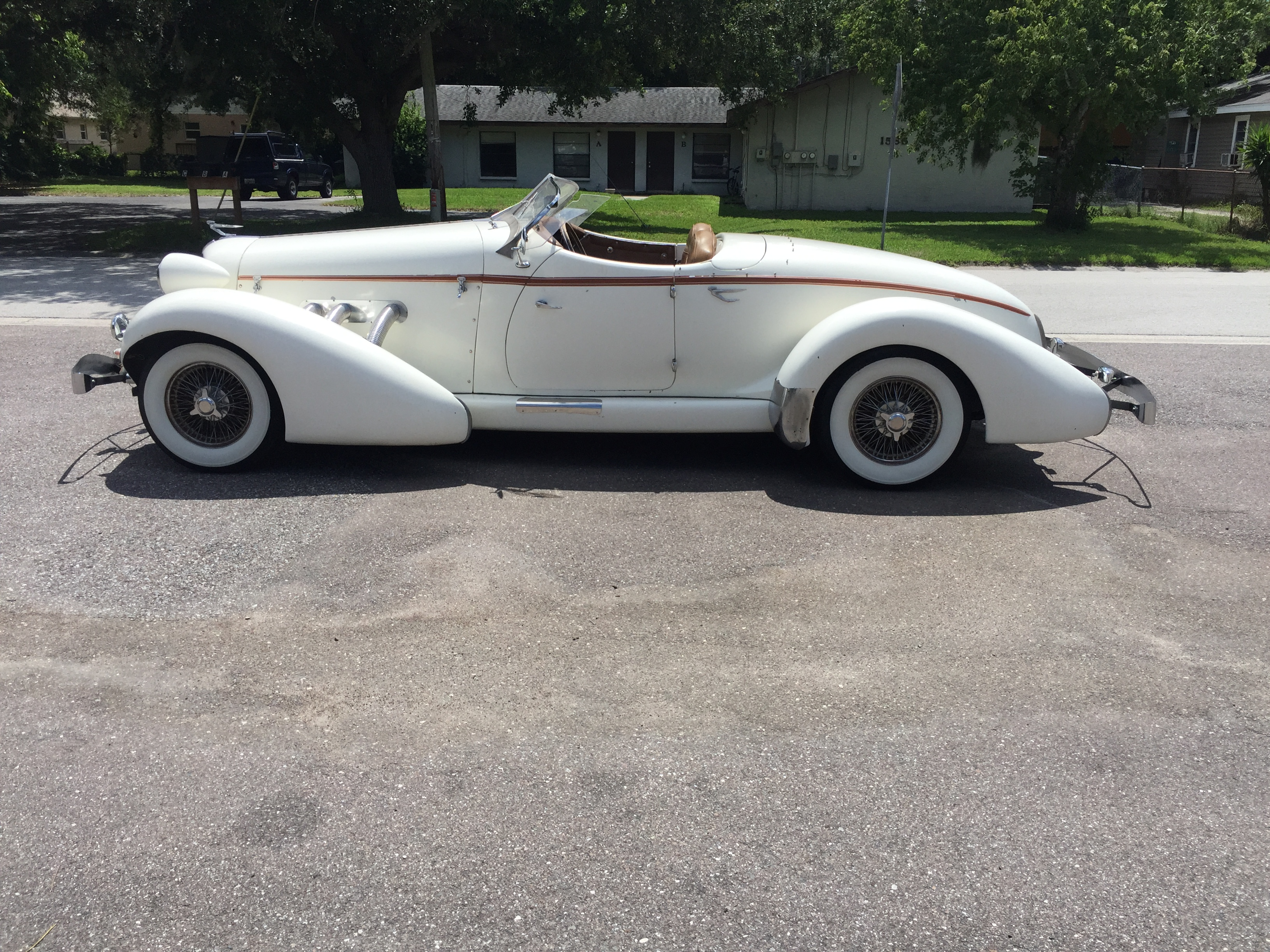 2nd Image of a 1974 AUBURN SPEEDSTER