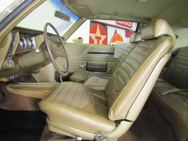 7th Image of a 1970 OLDSMOBILE 442