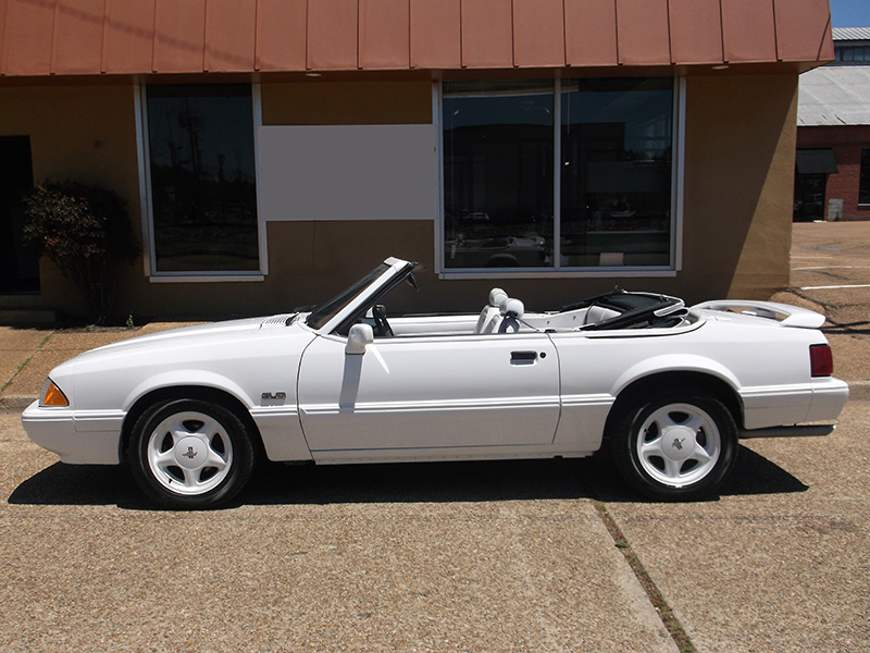 3rd Image of a 1993 FORD MUSTANG LX