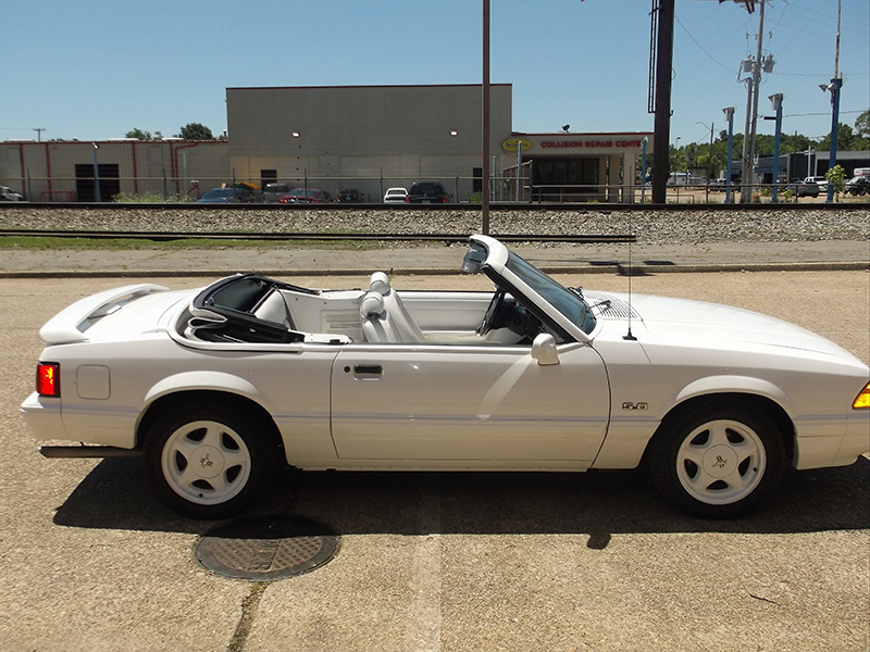 4th Image of a 1993 FORD MUSTANG LX