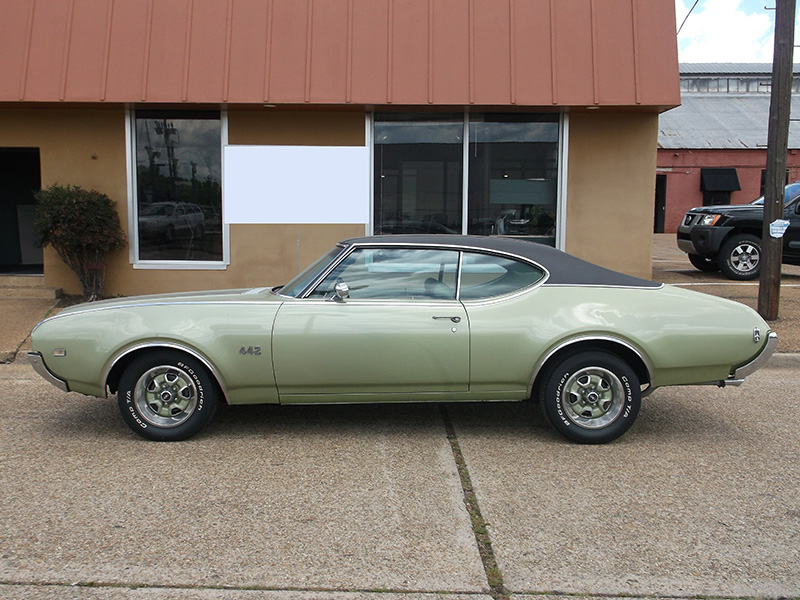 2nd Image of a 1969 OLDSMOBILE 442