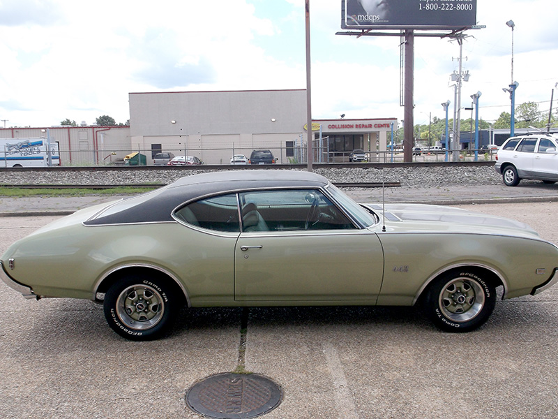 3rd Image of a 1969 OLDSMOBILE 442