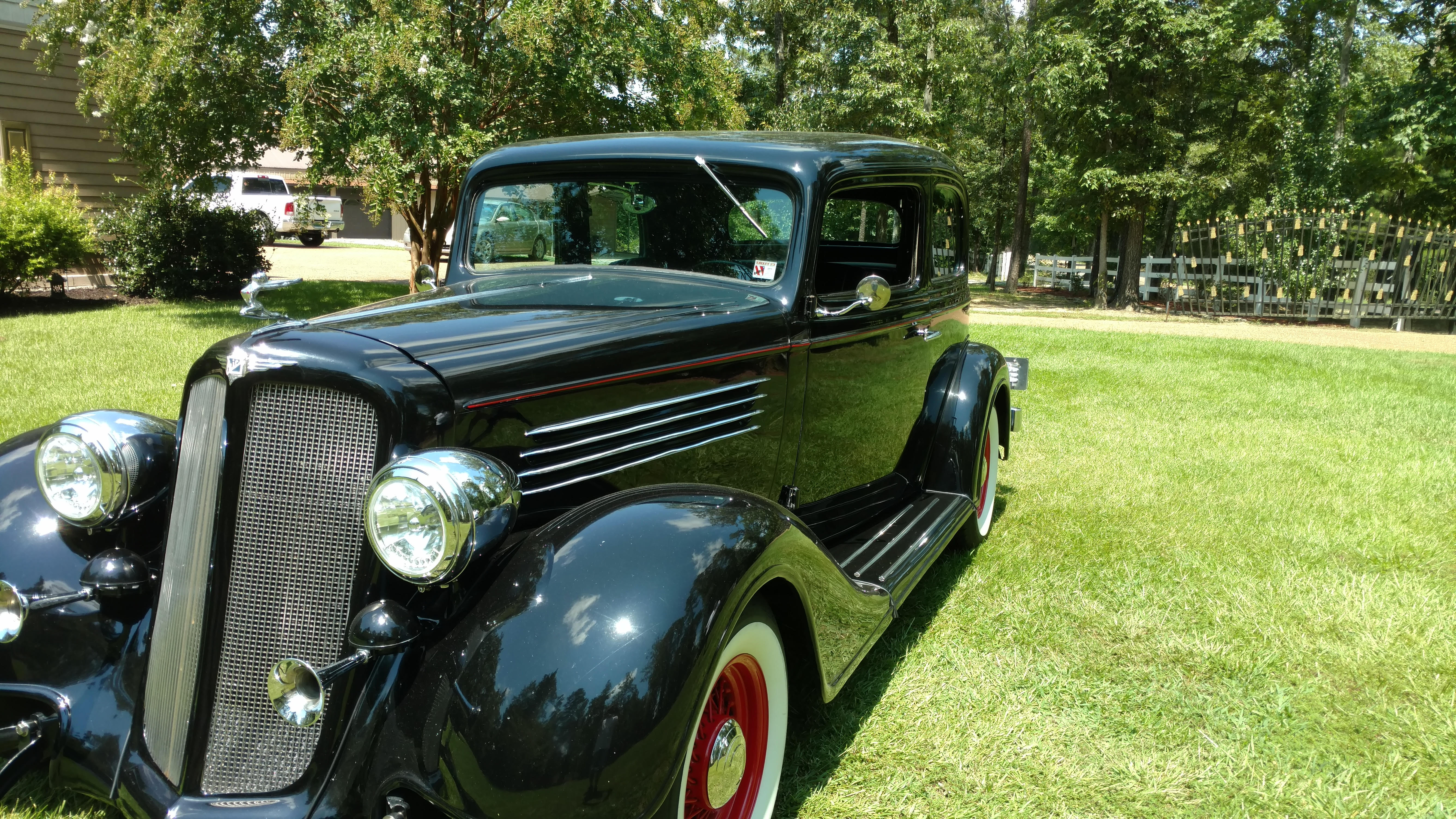 2nd Image of a 1935 BUICK VICTORIA