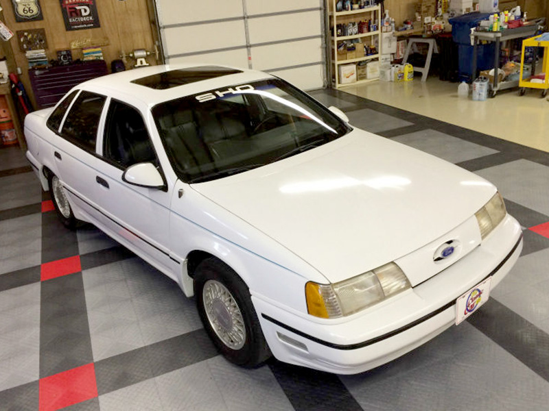 2nd Image of a 1990 FORD TAURUS SHO
