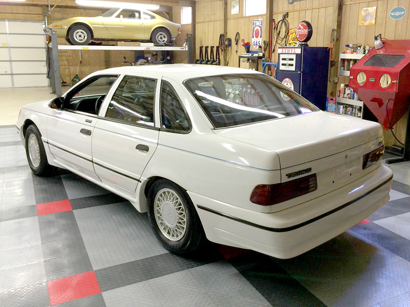 3rd Image of a 1990 FORD TAURUS SHO
