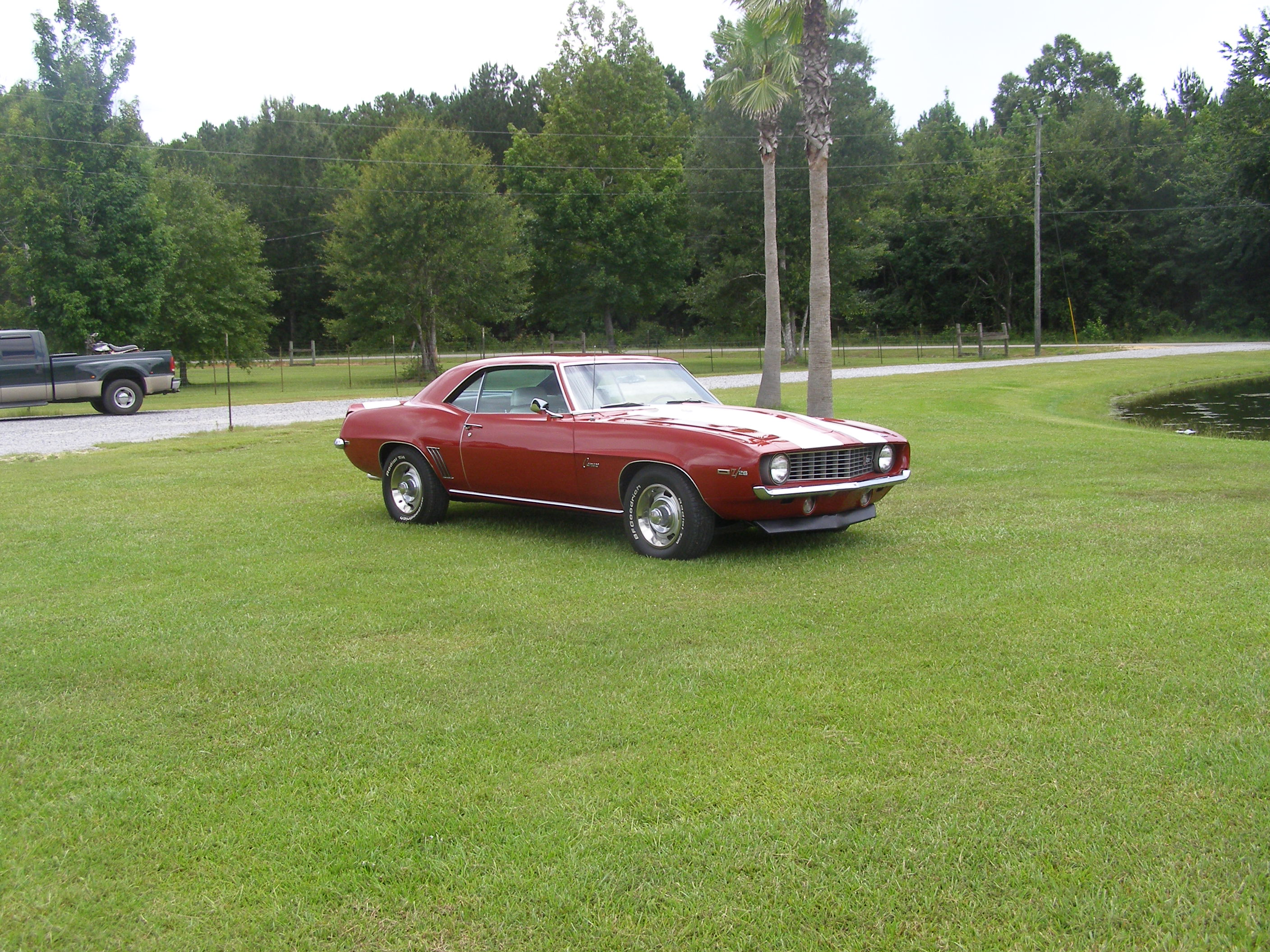 2nd Image of a 1969 CHEVROLET CAMARO Z28