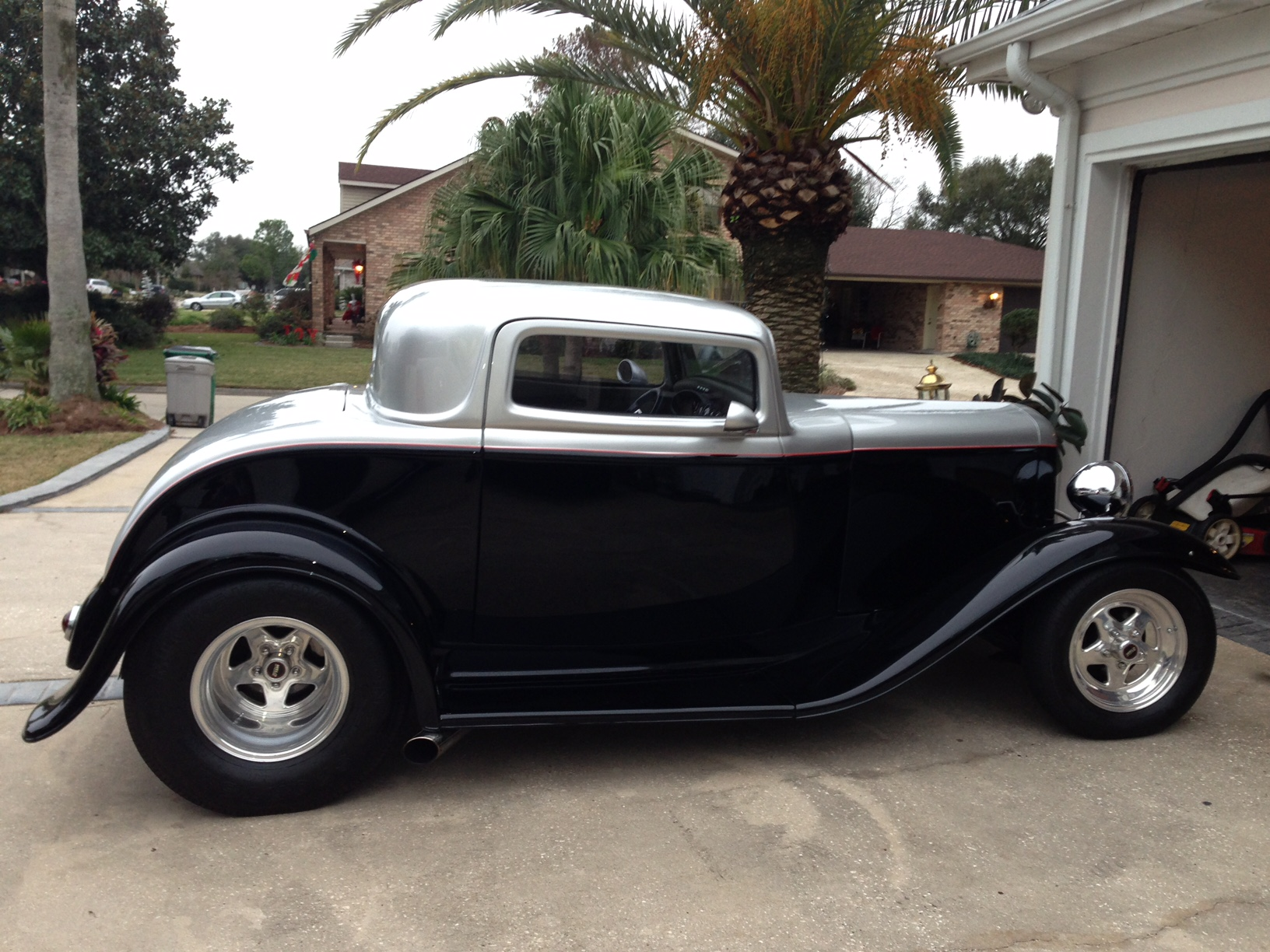 3rd Image of a 1932 FORD COUPE
