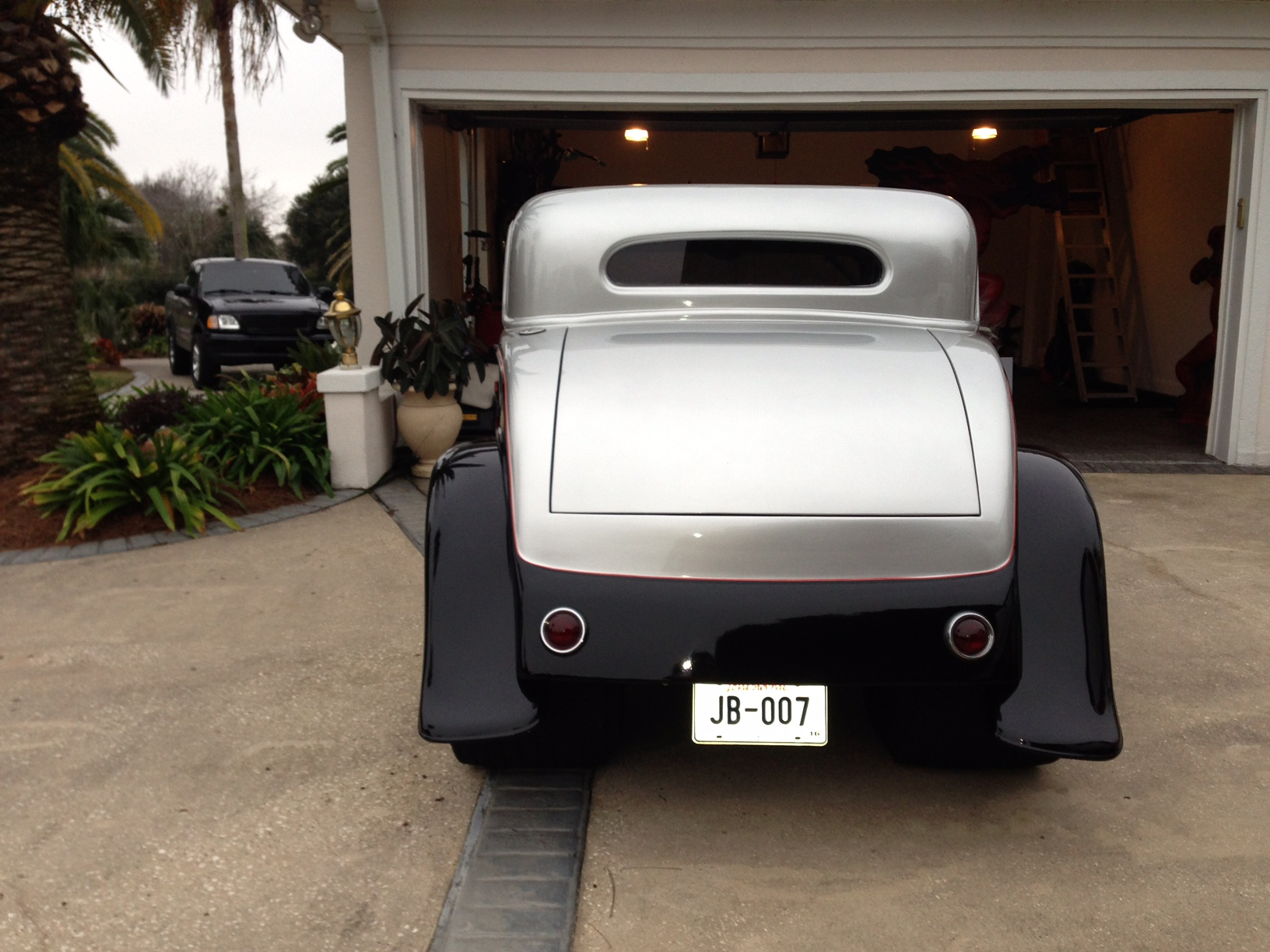 4th Image of a 1932 FORD COUPE