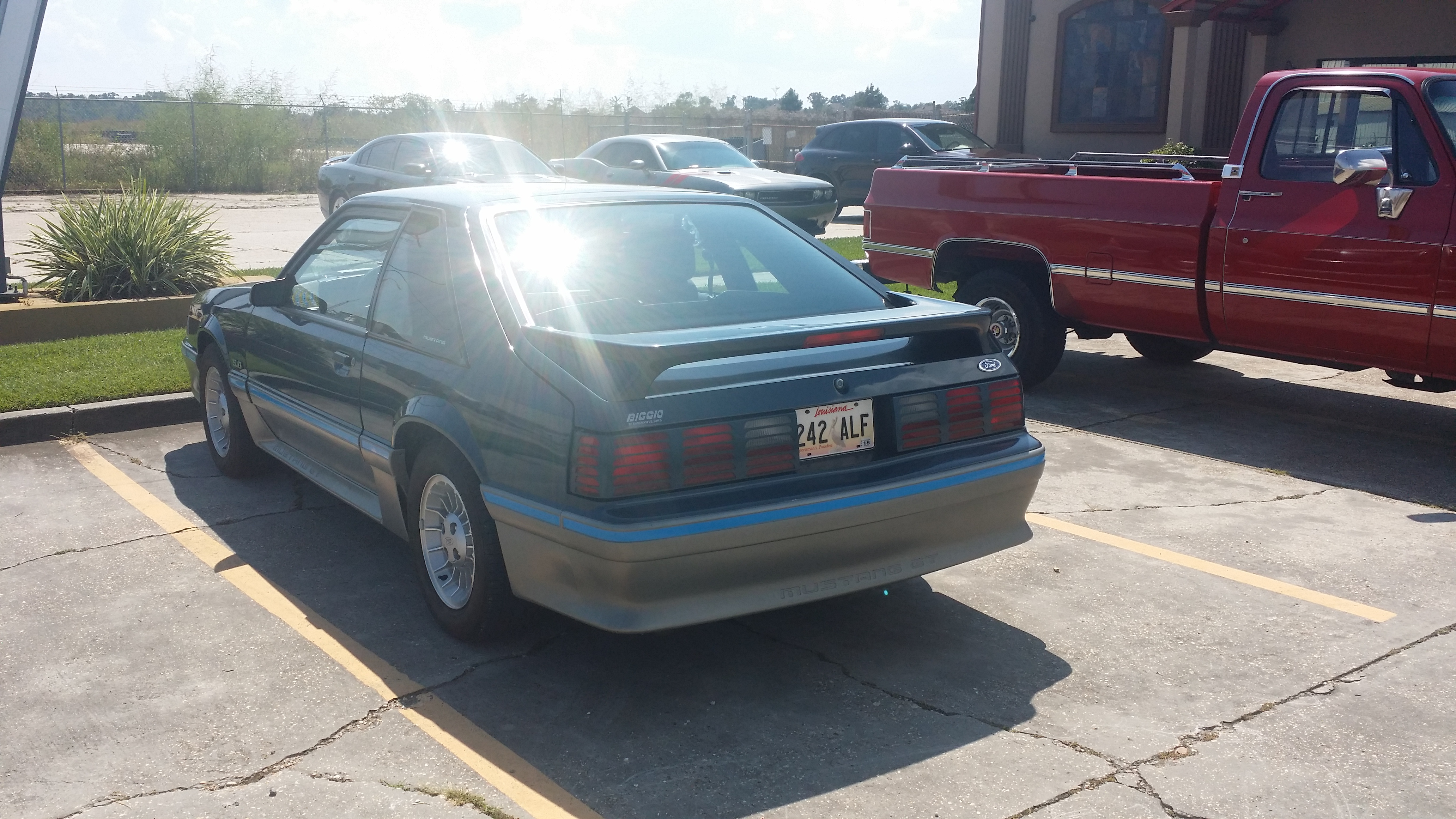 2nd Image of a 1987 FORD MUSTANG