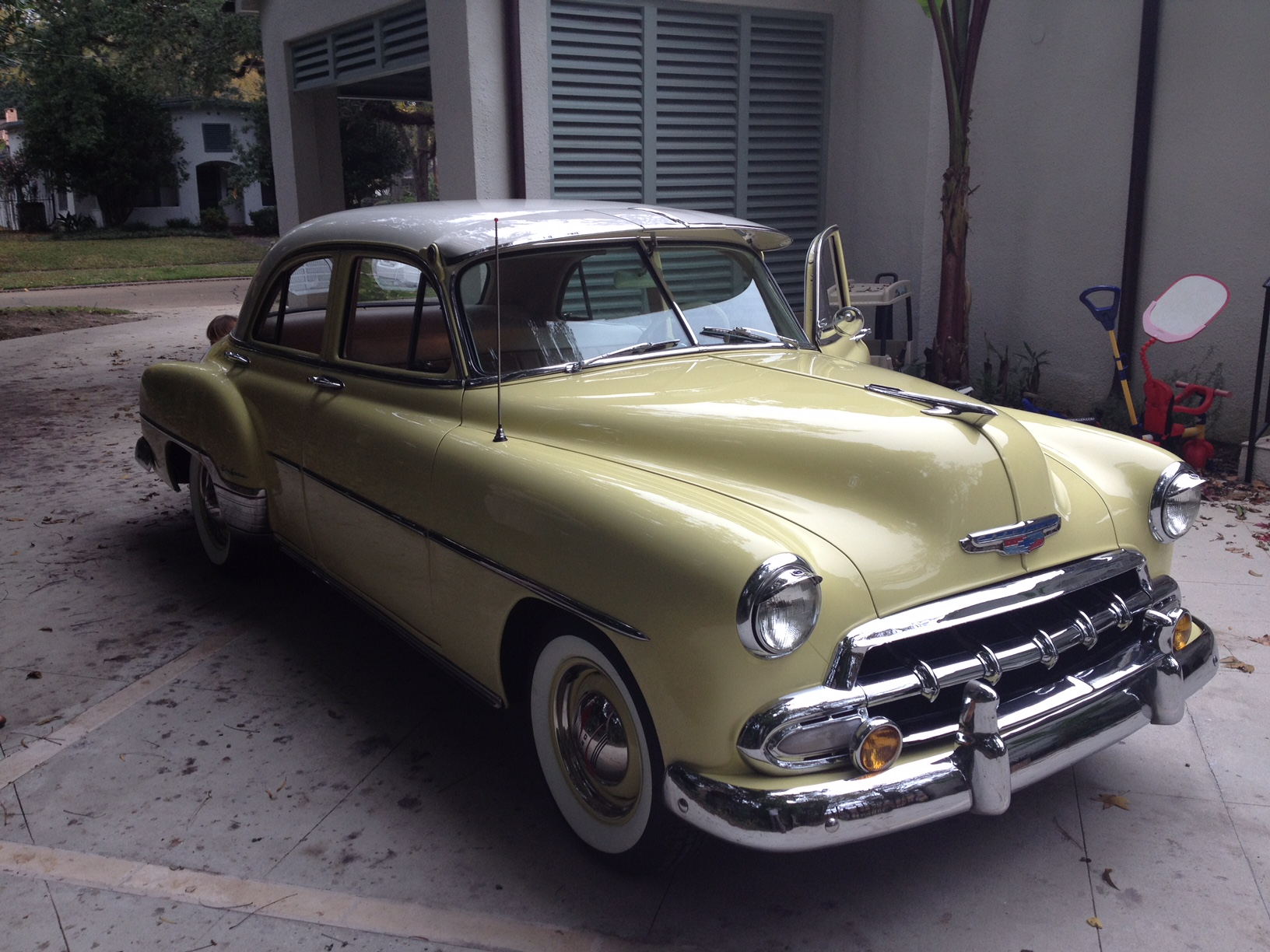 2nd Image of a 1952 CHEVROLET BELAIR