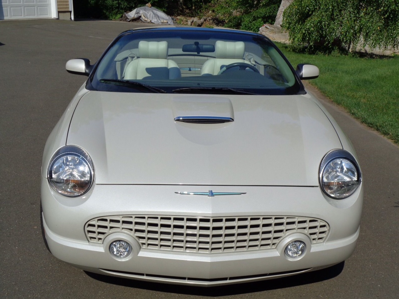 2nd Image of a 2005 FORD THUNDERBIRD 50TH ANNIVERSARY