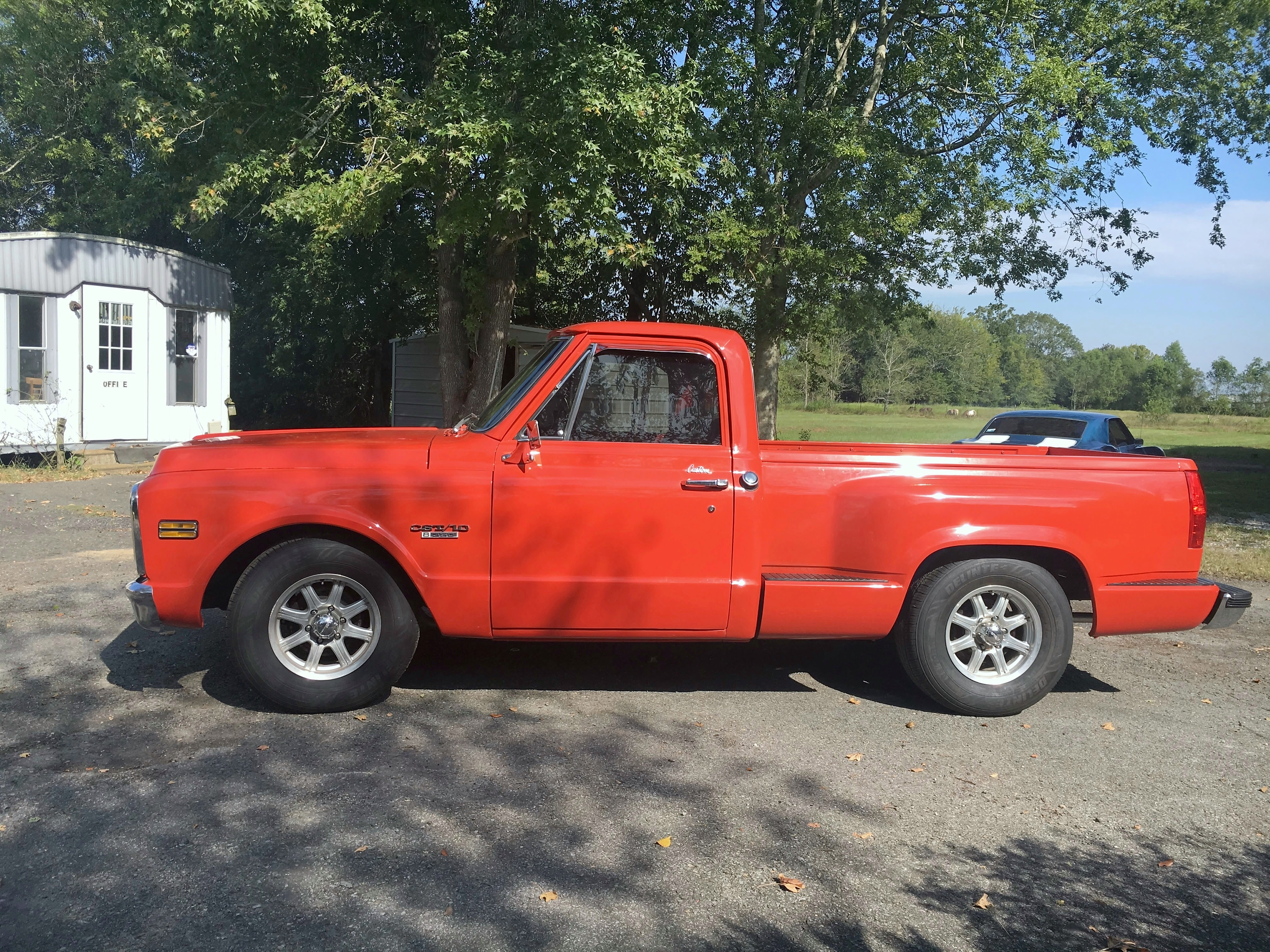 3rd Image of a 1970 CHEVROLET C10