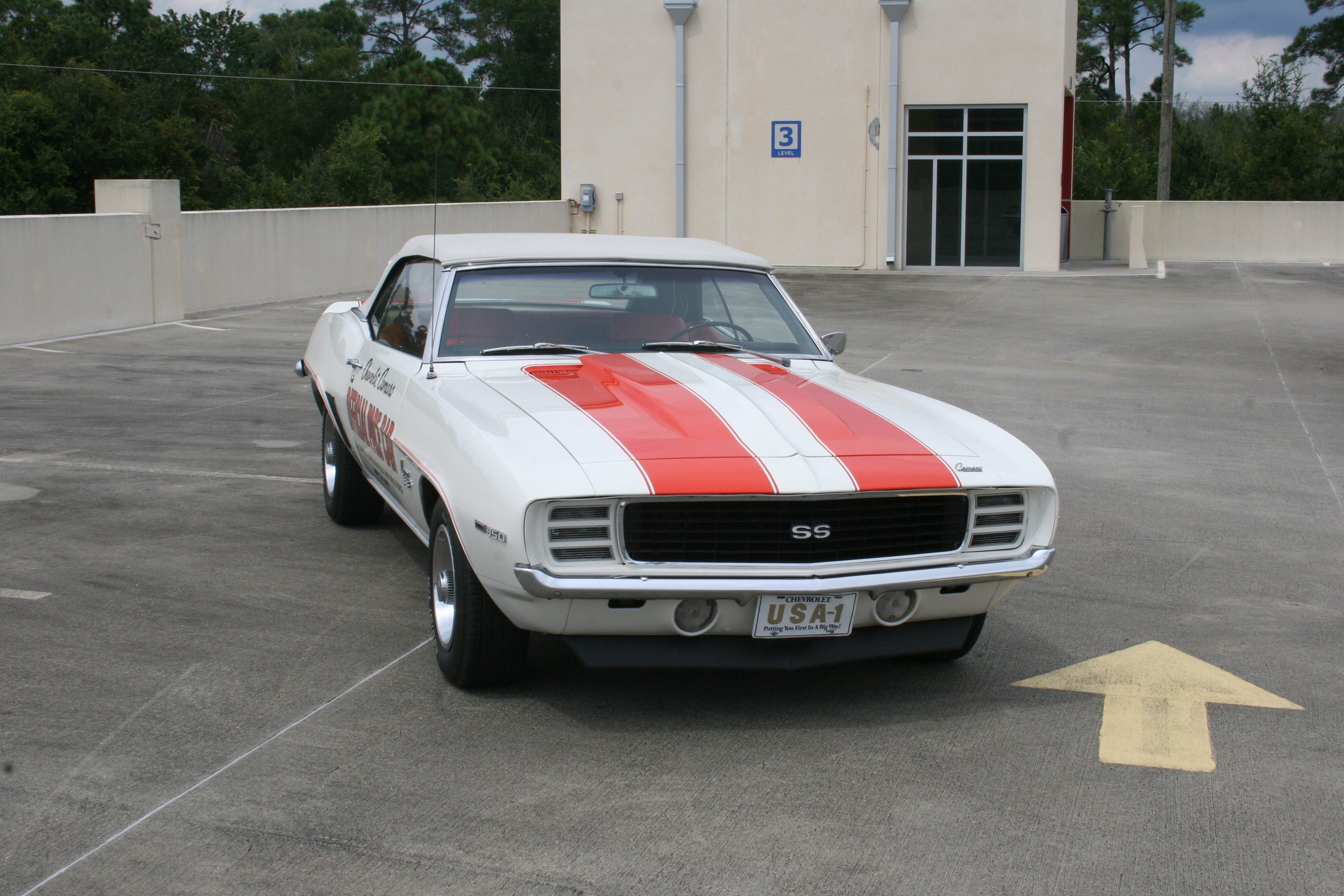2nd Image of a 1969 CHEVROLET PACE CAR