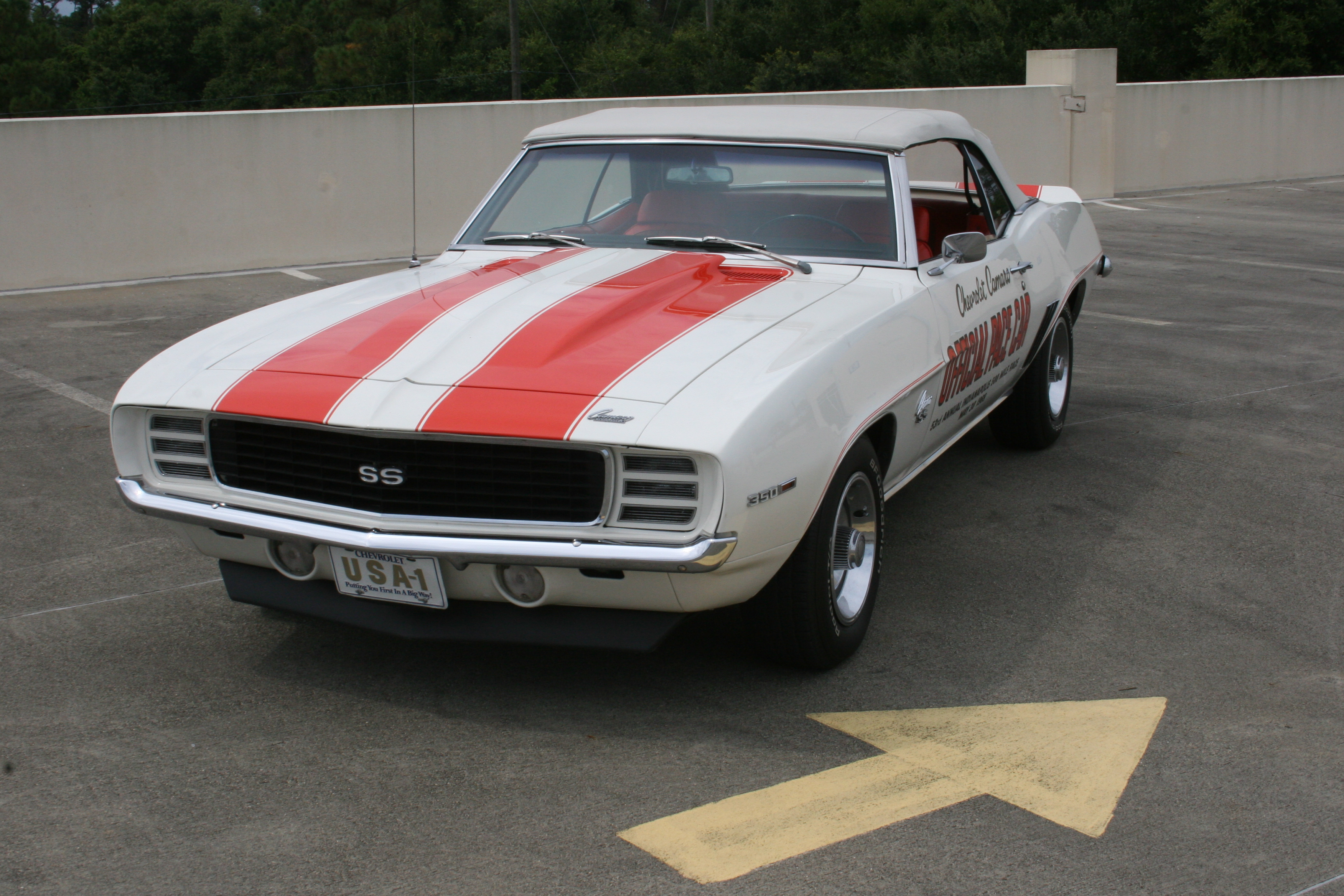 3rd Image of a 1969 CHEVROLET PACE CAR