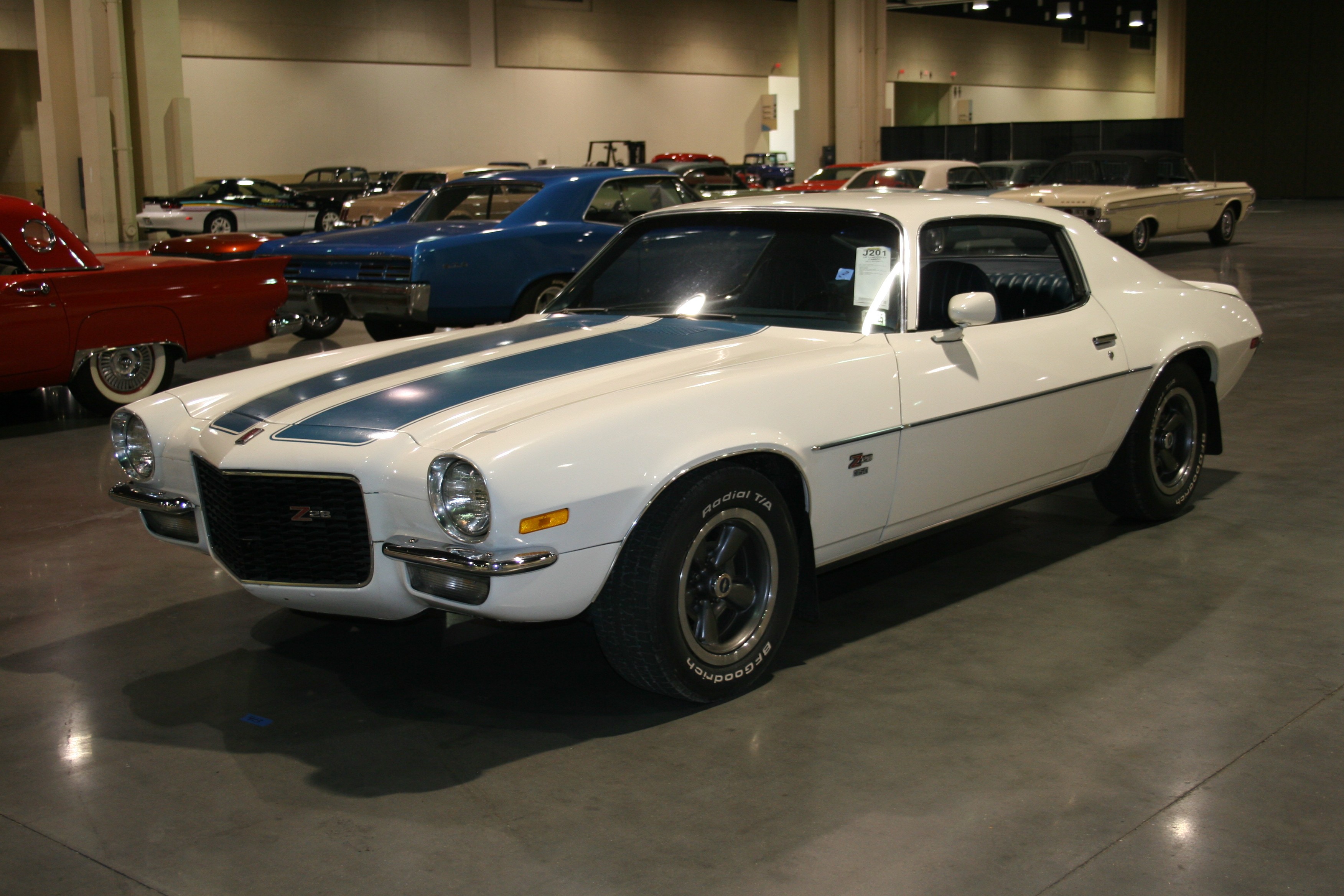 2nd Image of a 1971 CHEVROLET CAMARO Z28