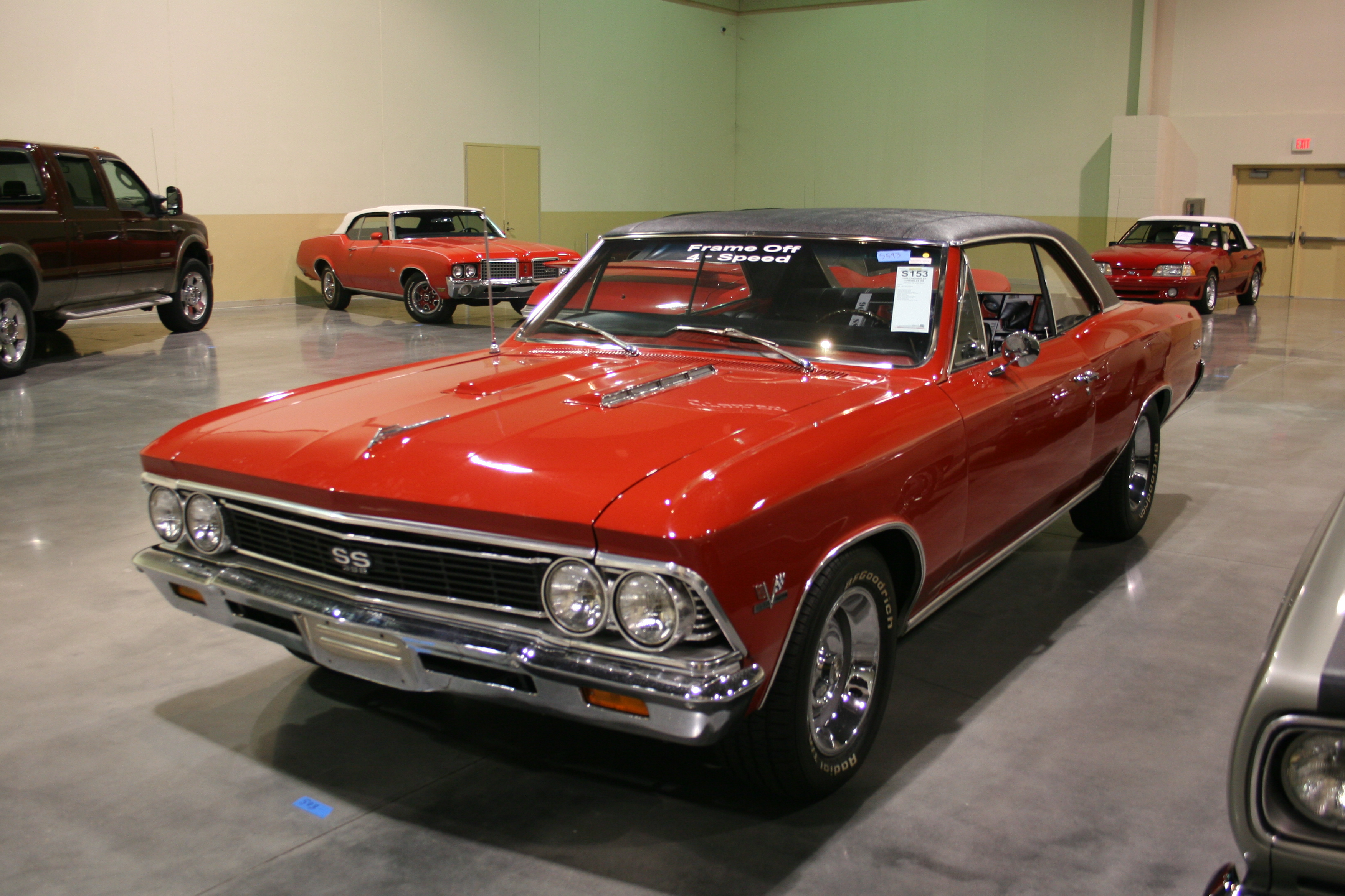 2nd Image of a 1966 CHEVROLET CHEVELLE SS 396