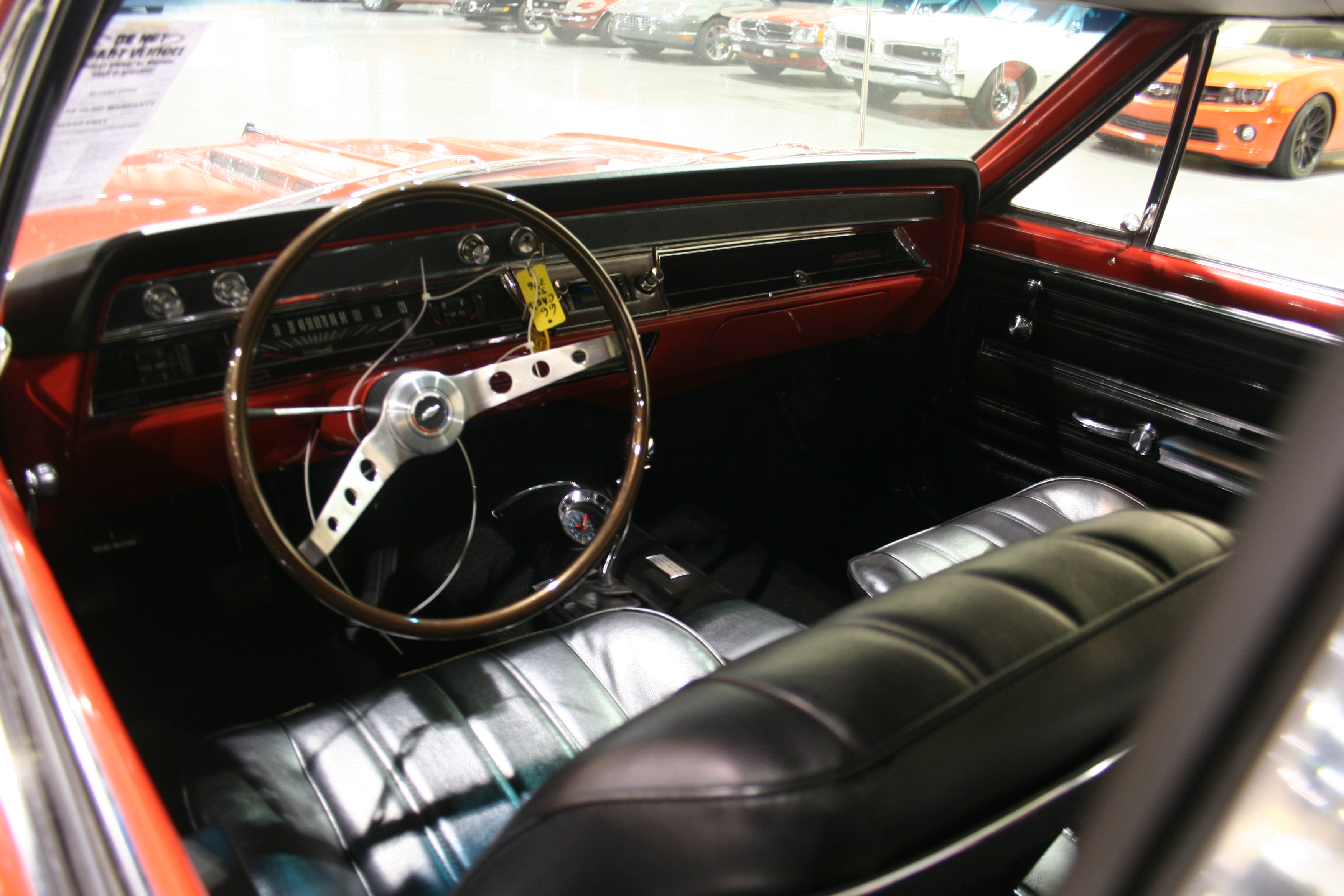 3rd Image of a 1966 CHEVROLET CHEVELLE SS 396