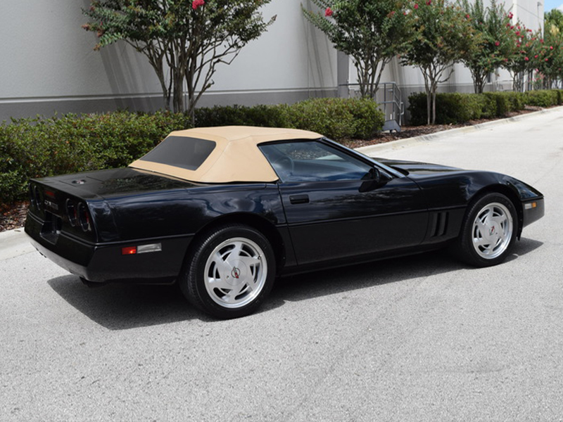 3rd Image of a 1989 CHEVROLET CORVETTE