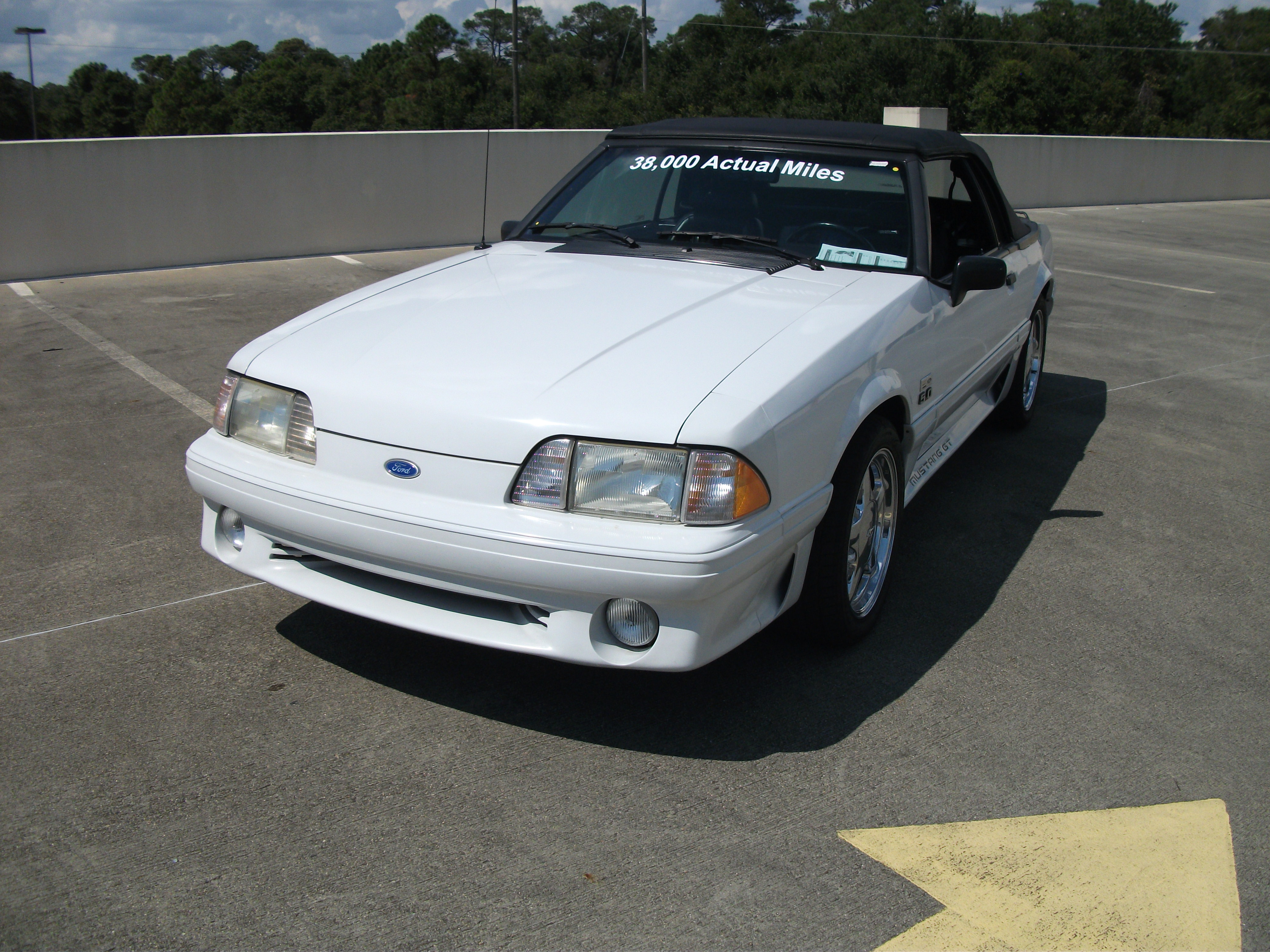 1st Image of a 1990 FORD MUSTANG GT